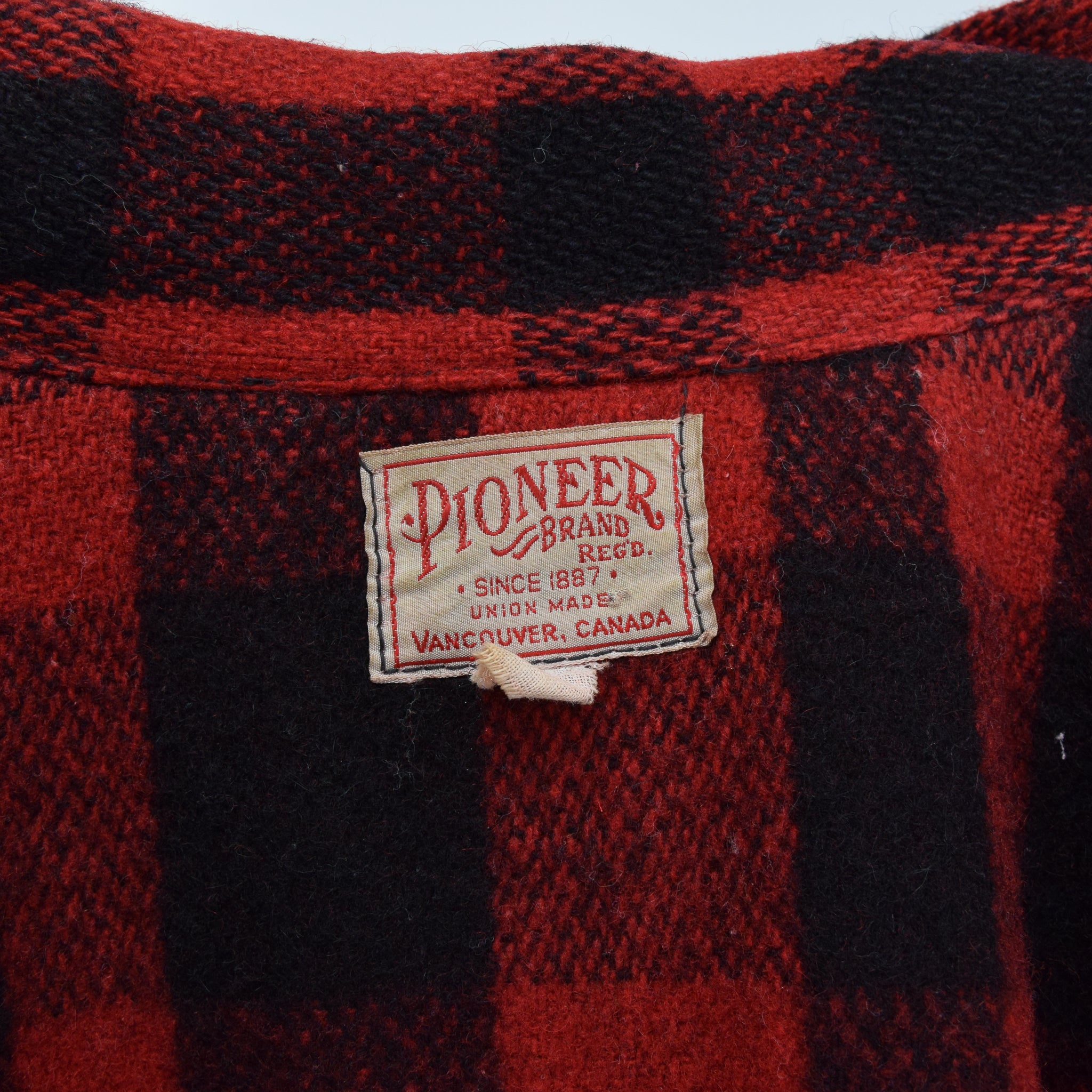 Vintage Pioneer Brand Canada Double Mackinaw Cruiser Hunting Jacket M / L label