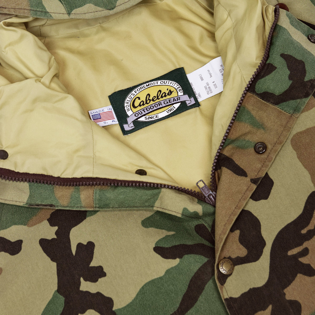 Vintage Cabelas Gore Tex Woodland Camo Hunting Jacket Waterproof Parka M label