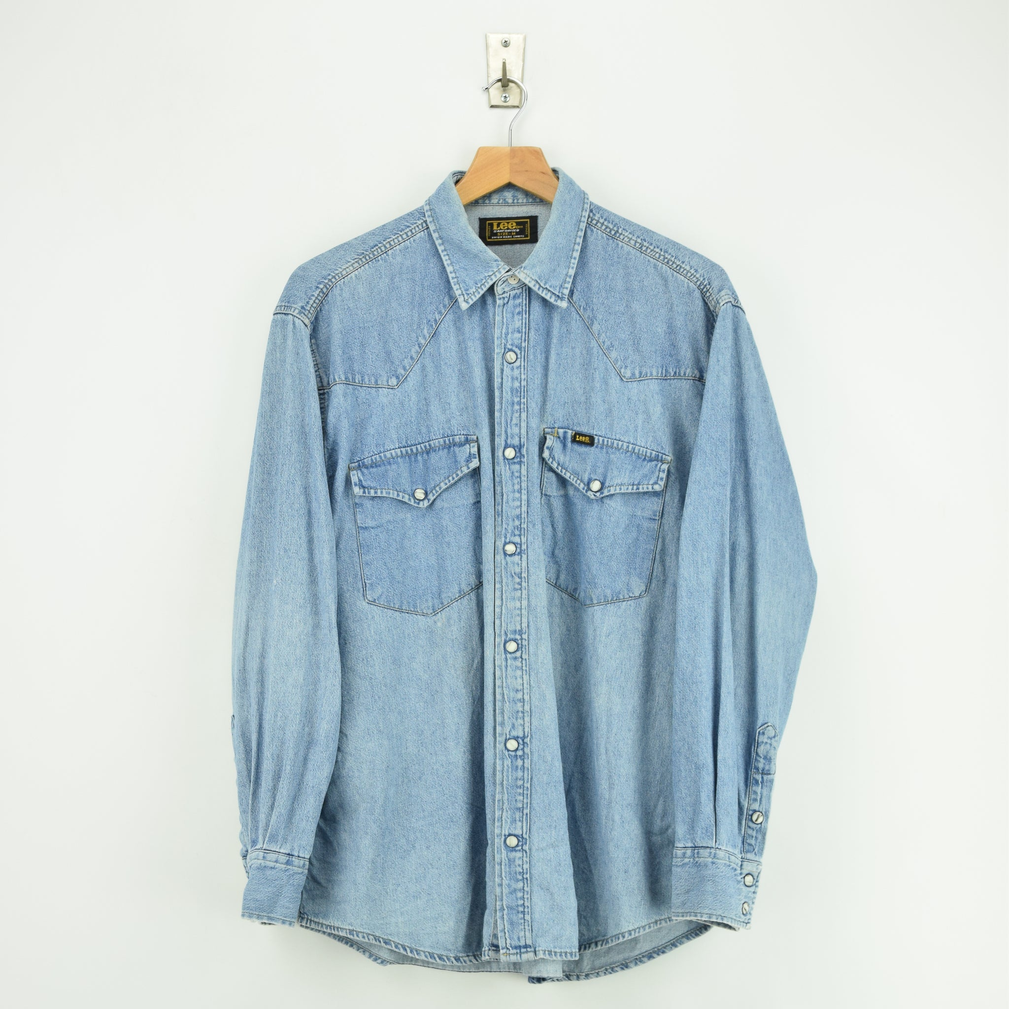 a7cf50cc596 Vintage Lee Jeans Sanforized Stonewash Blue Denim Western Shirt Made in USA  M front ...