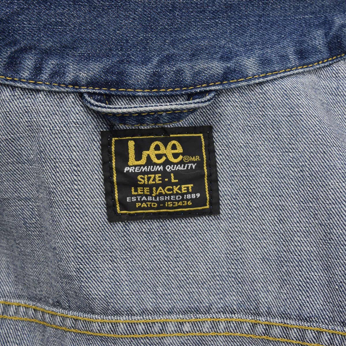Vintage Lee Washed Blue Denim Trucker Style Basic Jacket L label collar