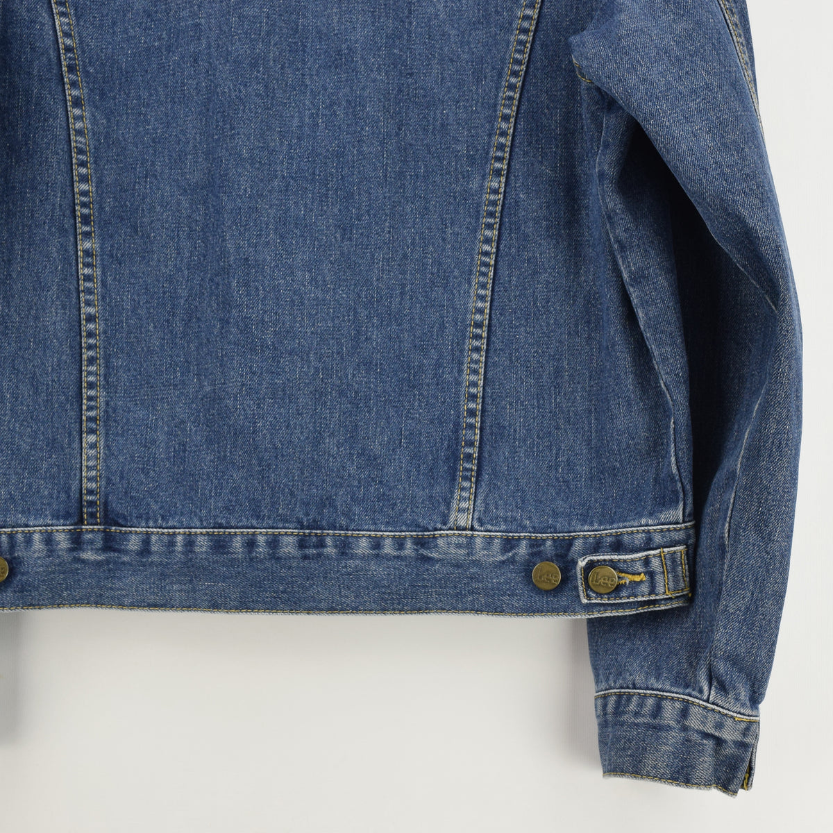Vintage Lee Washed Blue Denim Trucker Style Basic Jacket L back hem