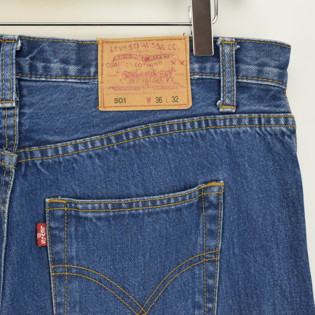 Vintage Levi Cowboy Red Tab Big E Stonewash Blue Denim Jeans Pant 34 W 26 L back waist pocket