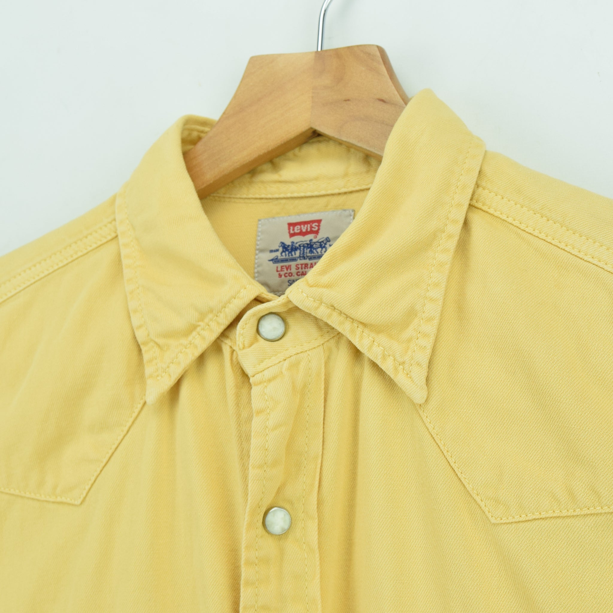 Vintage Levi Red Tab Washed Yellow Cotton Western Cowboy Shirt S collar