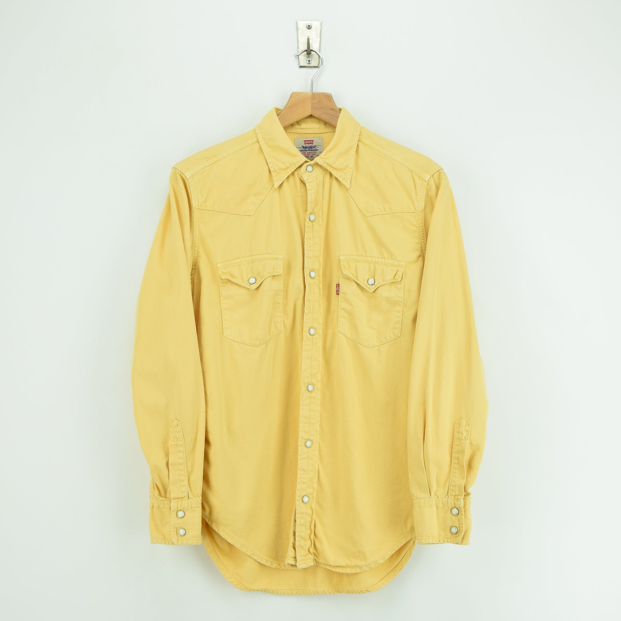 Vintage Levi Red Tab Washed Yellow Cotton Western Cowboy Shirt S front