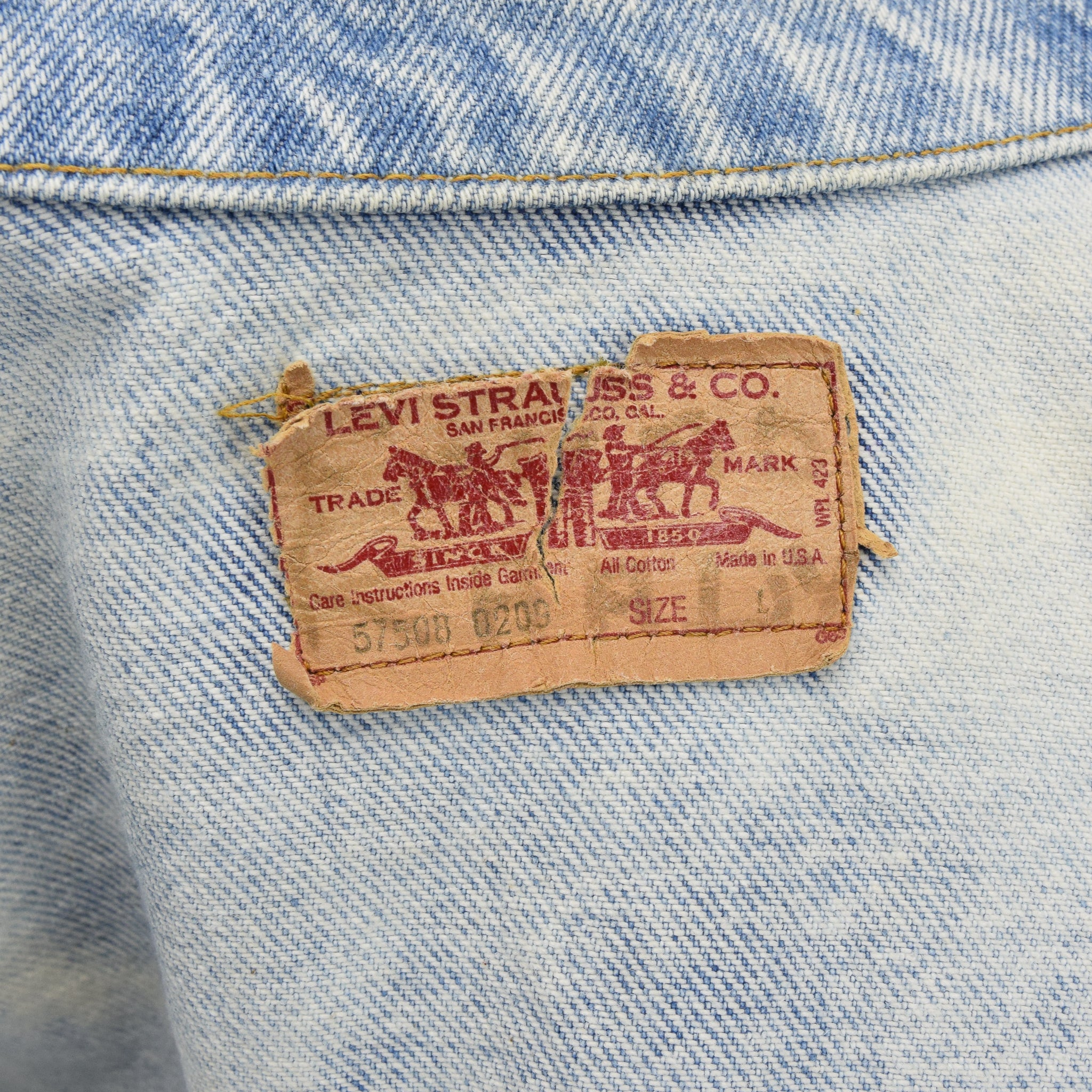 Vintage Levi 57508 Red Tab Bleached Blue Denim Trucker Jacket Made in USA S label
