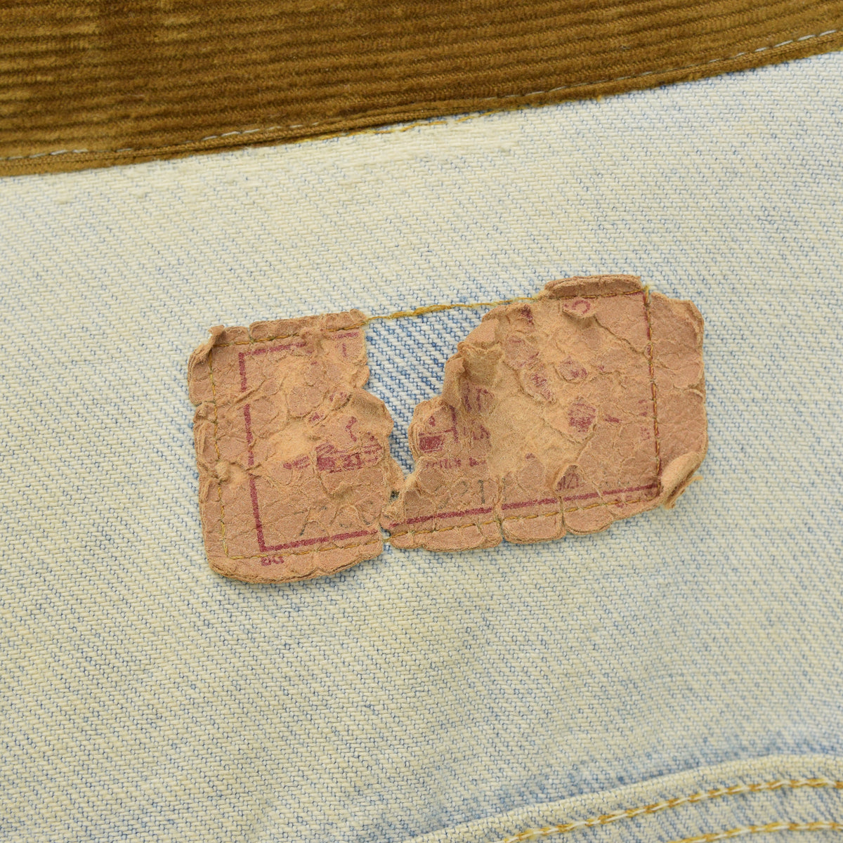 Vintage Levi Red Tab Stonewash Blue Type 3 Denim Trucker Jacket Made in USA L label