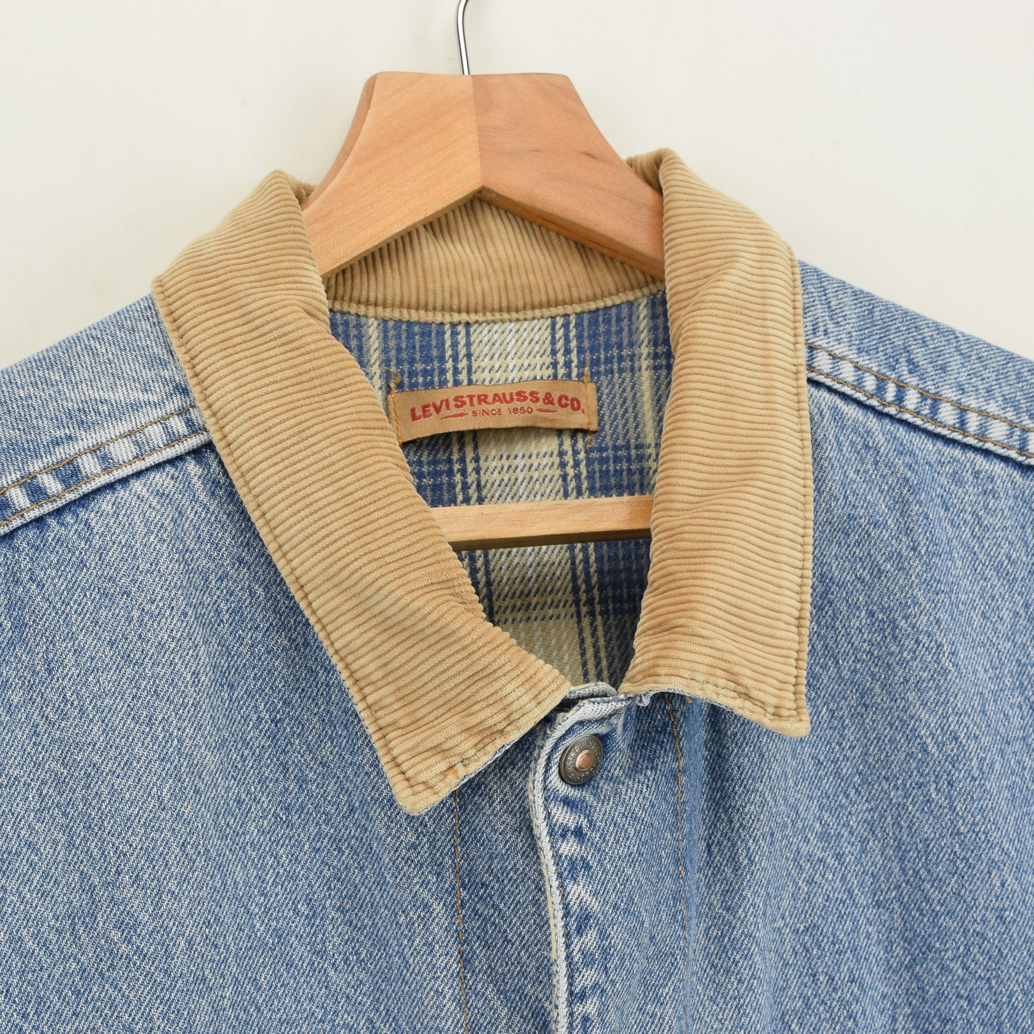 Vintage Levi Reversible Blue Denim Gilet Cord Collar Waistcoat Made in USA XL collar