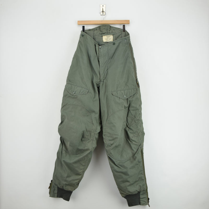 Vintage 70s USAF Type F-1B Extreme Cold Weather Military Trousers Green M front