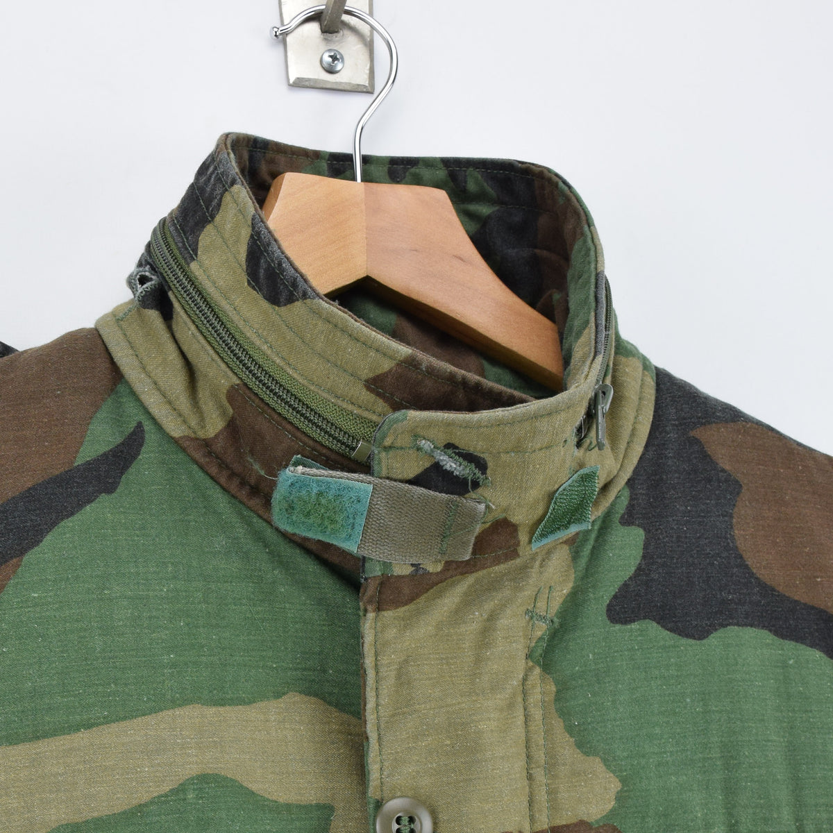 Vintage 80s M-65 Woodland Camouflage Field Coat Military US Air Force Jacket M collar