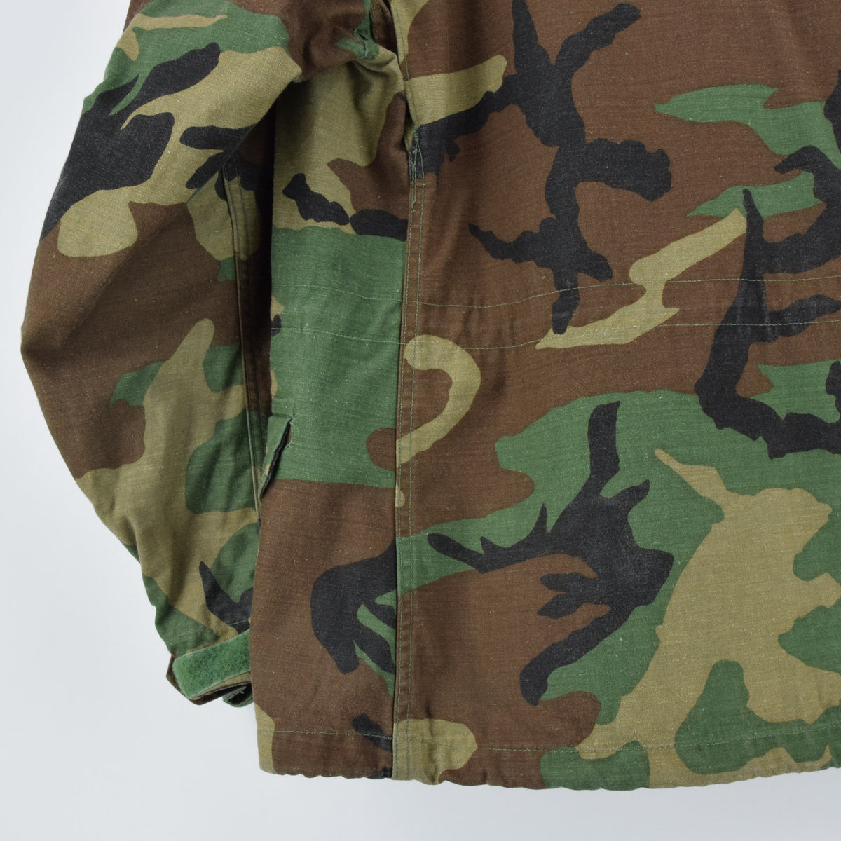 Vintage 80s M-65 Woodland Camouflage Field Coat Military US Air Force Jacket M back hem