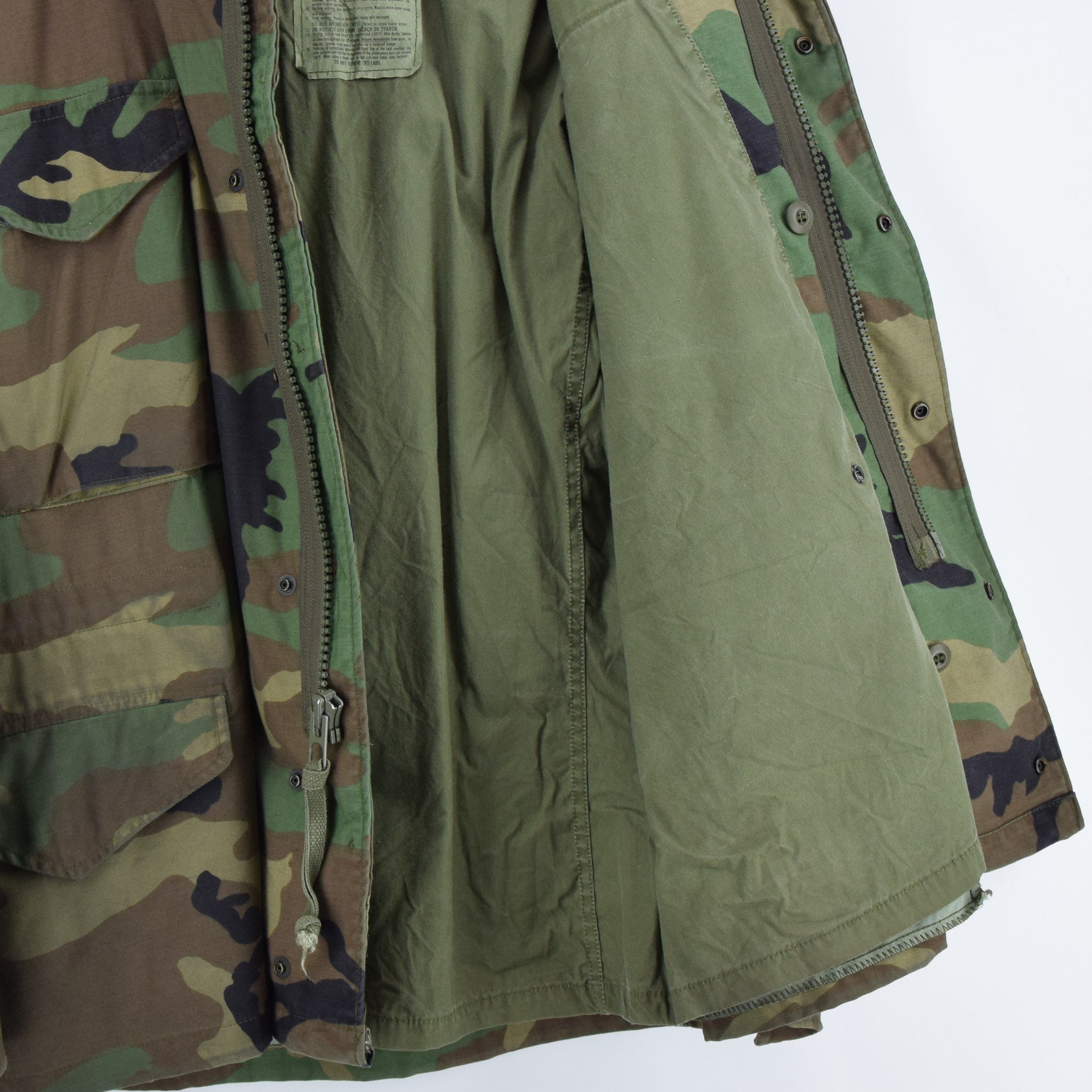 Vintage 80s M-65 Woodland Camouflage Field Coat Alpha Industries Army Jacket M lining