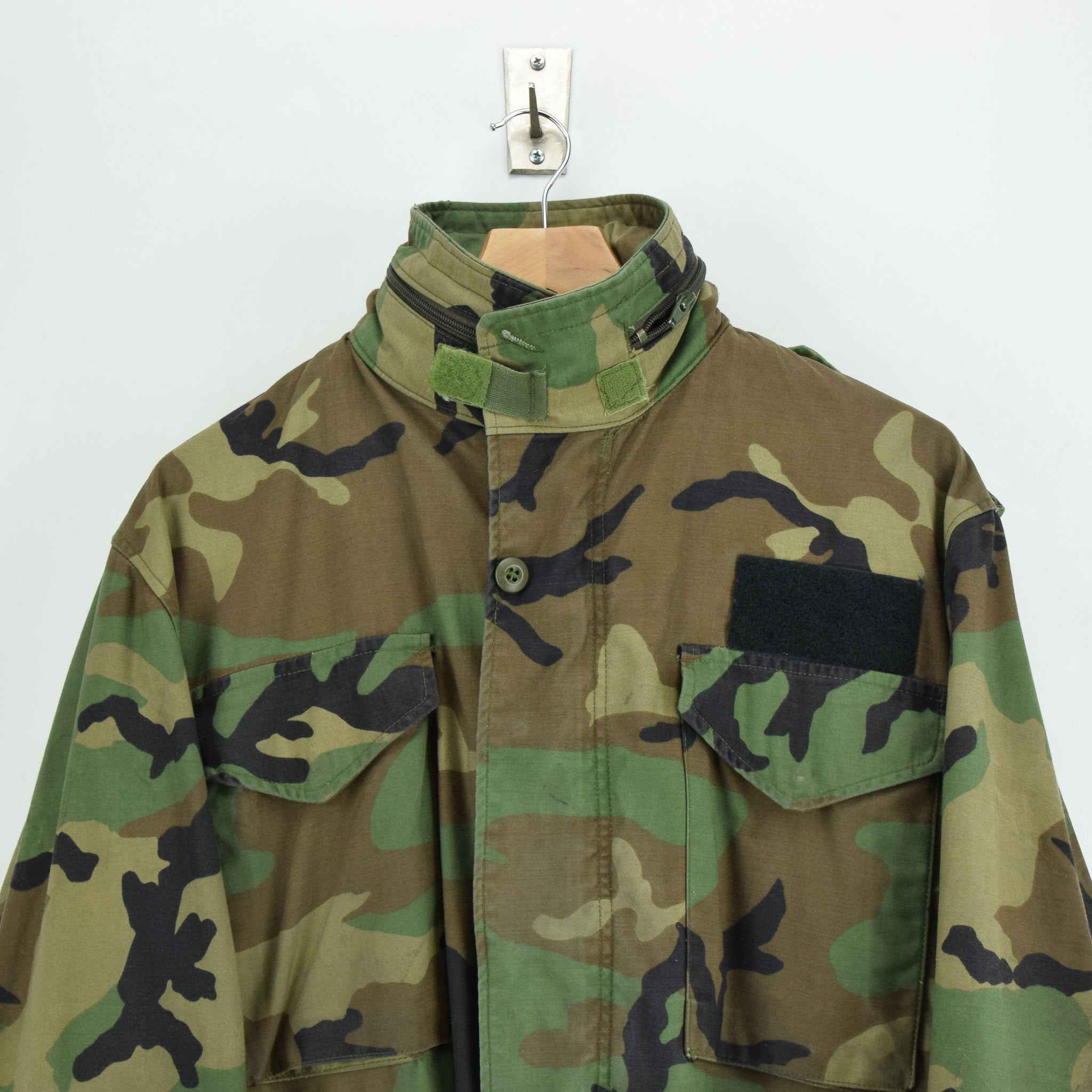 Vintage 80s M-65 Woodland Camouflage Field Coat Alpha Industries Army Jacket M chest