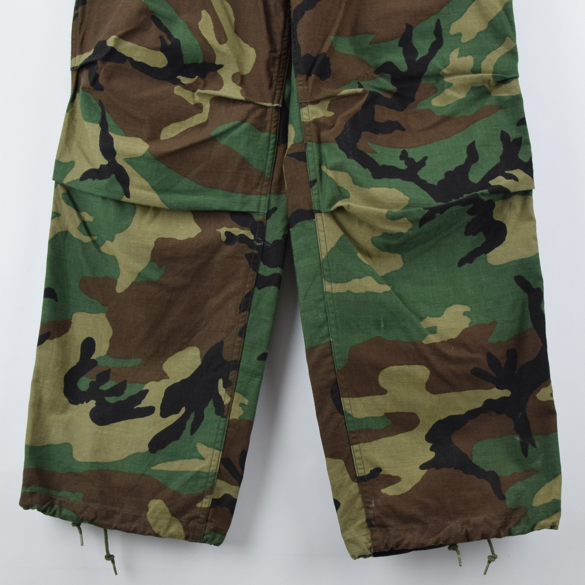 frVintage 80s US Army Camo Cold Weather Military Combat Field Trousers M Long front hem