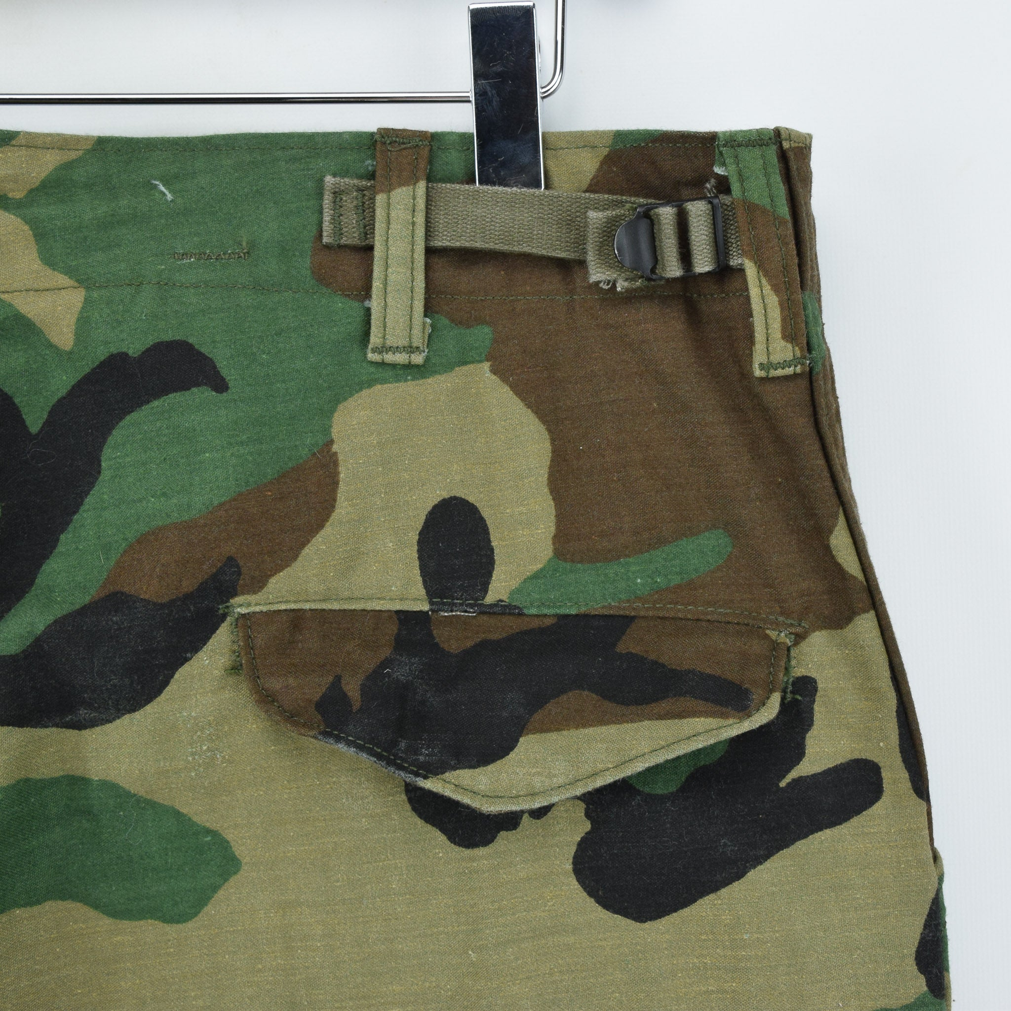 Vintage 80s US Army Camo Cold Weather Military Combat Field Trousers M Long back waist pocket