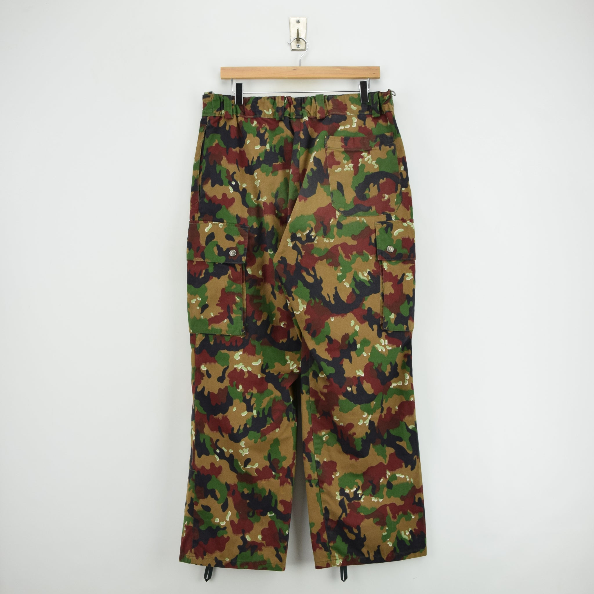 Vintage Swiss Army Alpenflage Camo Combat Pants Trousers Made in Sweden 32 W back