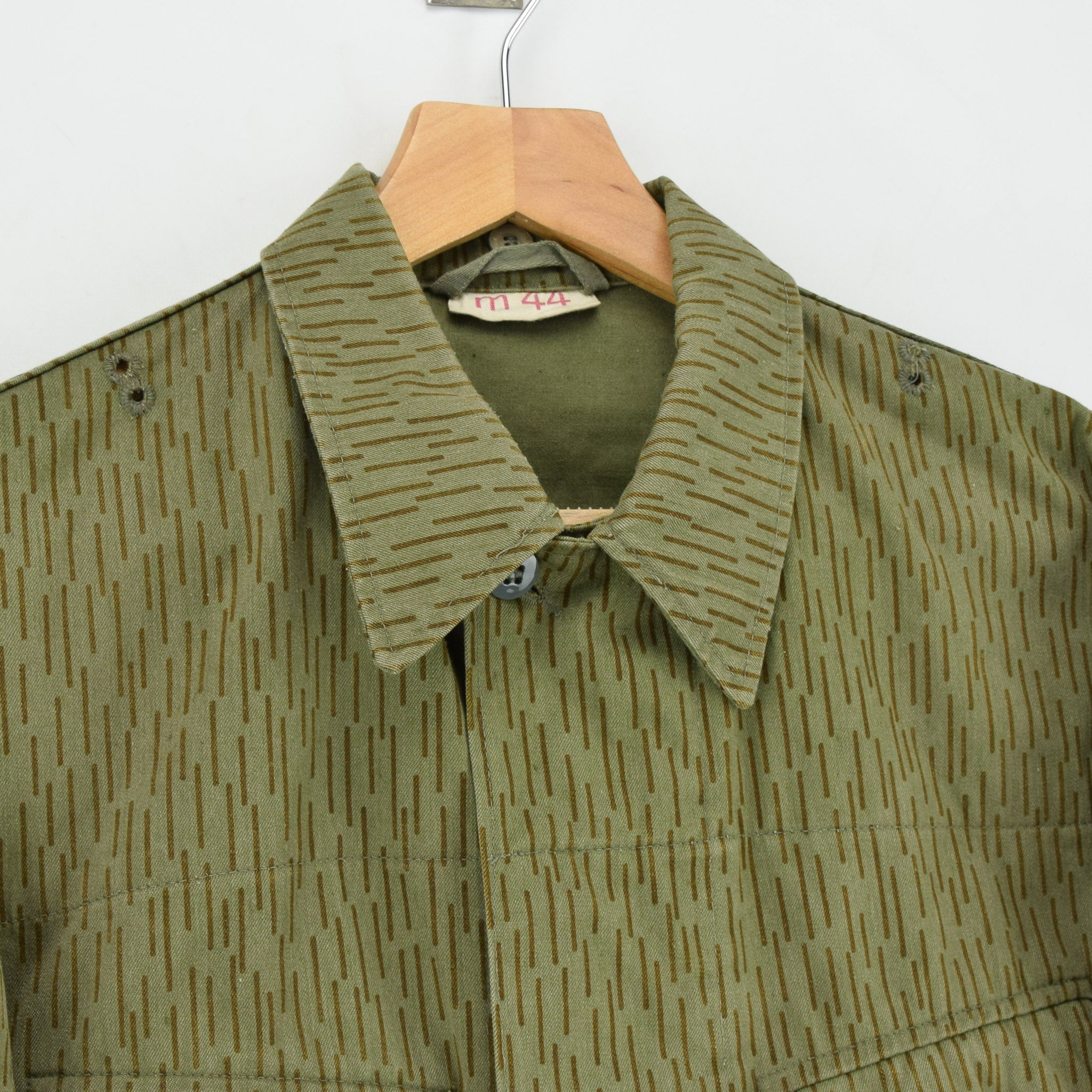 Vintage 80s DDR NVA East German Army Combat Jacket Strichtarn Camo S collar