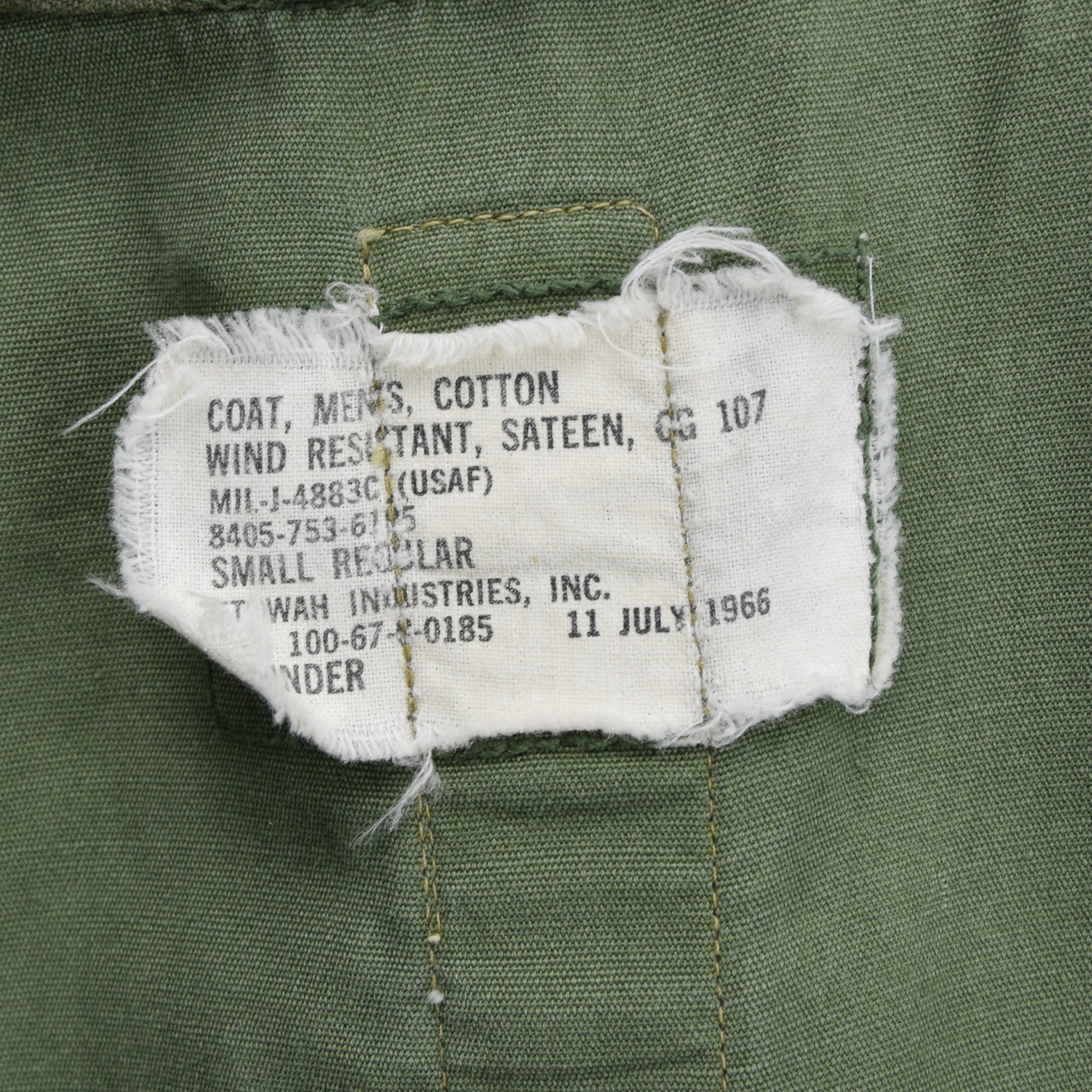 Vintage 60s Vietnam War USAF Men's Wind Resistant Cotton Sateen Field Jacket S label