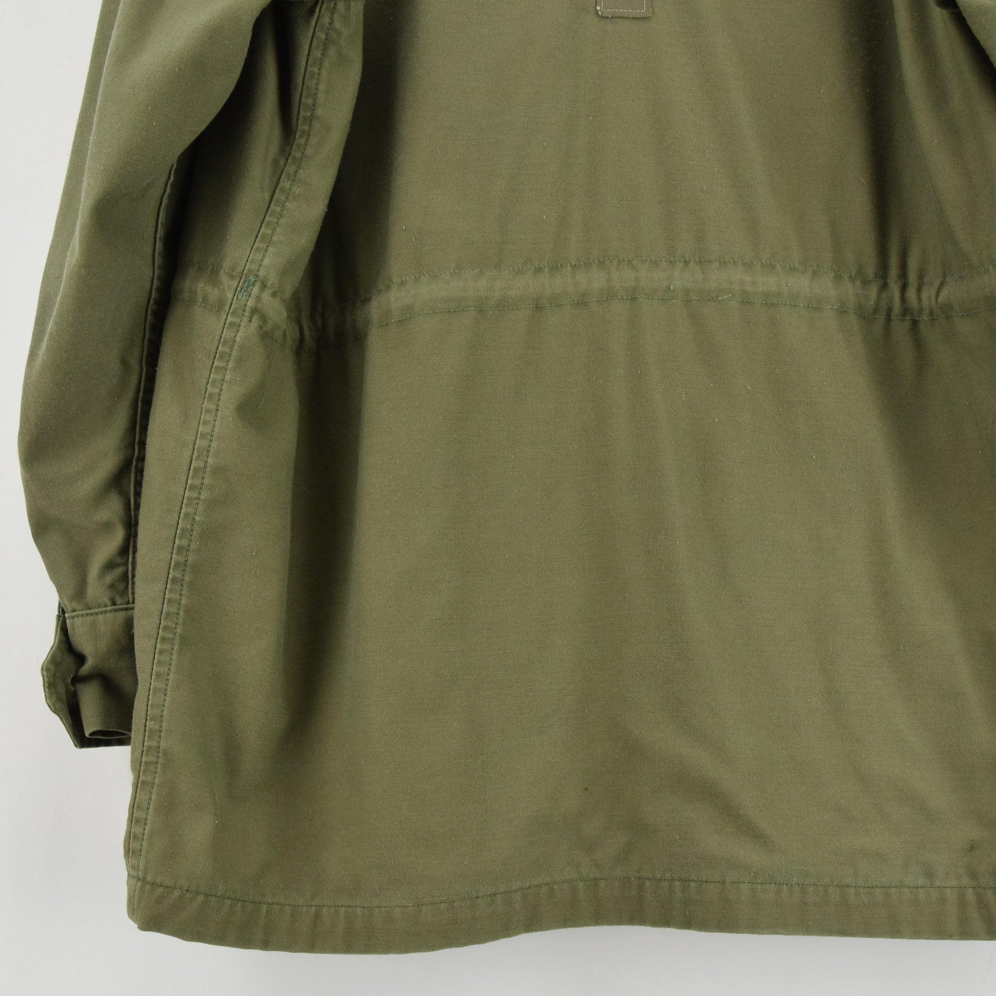 Vintage 60s Vietnam War USAF Men's Wind Resistant Cotton Sateen Field Jacket S back hem