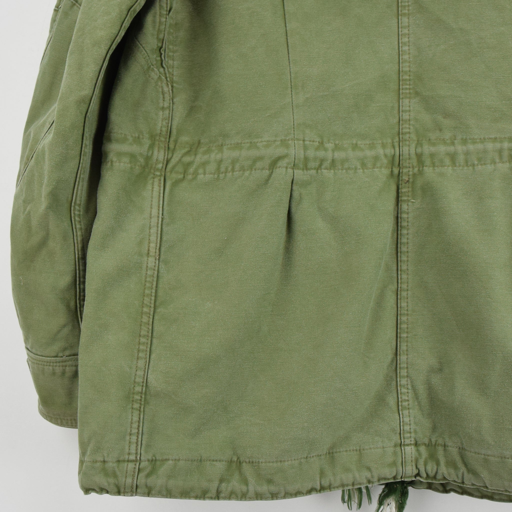 Vintage 90s Irish Army Combat Tunic Field Jacket Green Made in Ireland M back hem