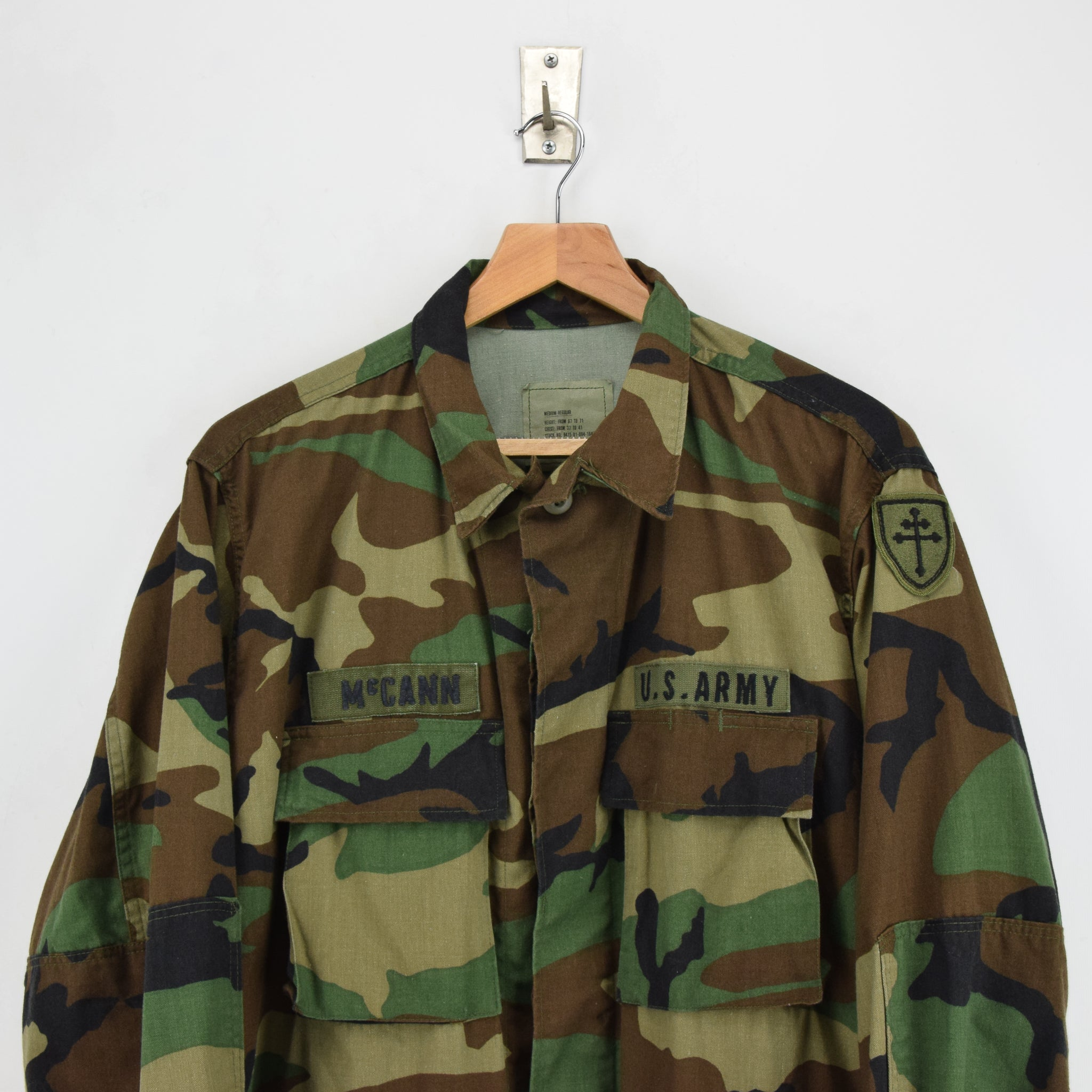 Vintage 80s US Army Woodland Camouflage Combat Coat Field Jacket M Reg chest