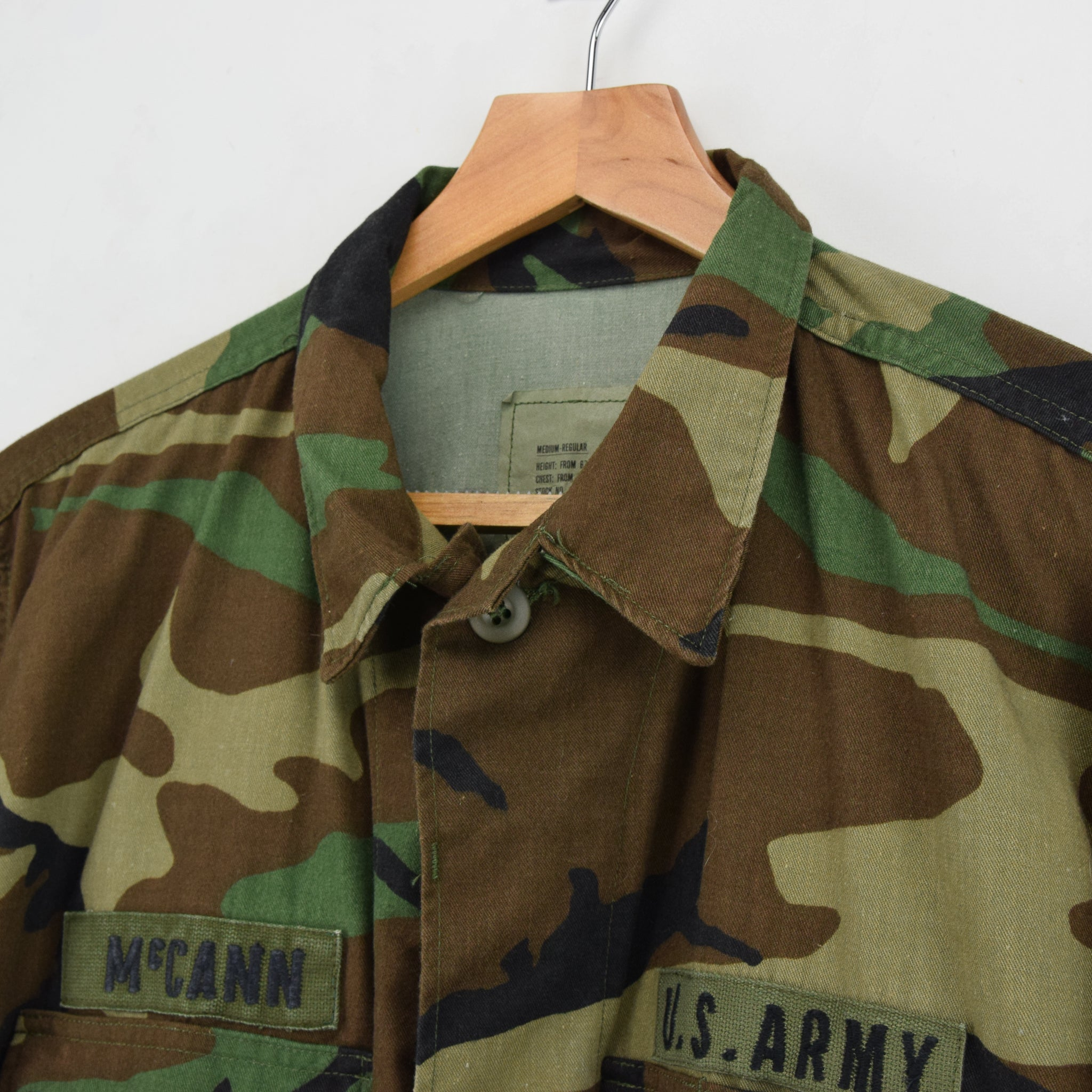 Vintage 80s US Army Woodland Camouflage Combat Coat Field Jacket M Reg collar