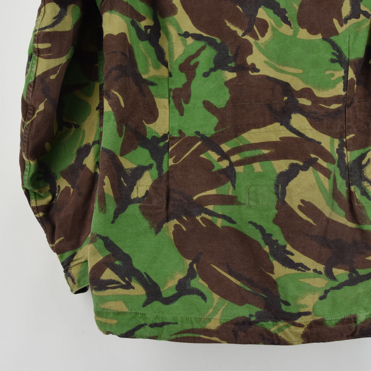 Vintage 80s British Aircrew RAF Combat Temperate MK 2 Camo Jacket M / L back hem