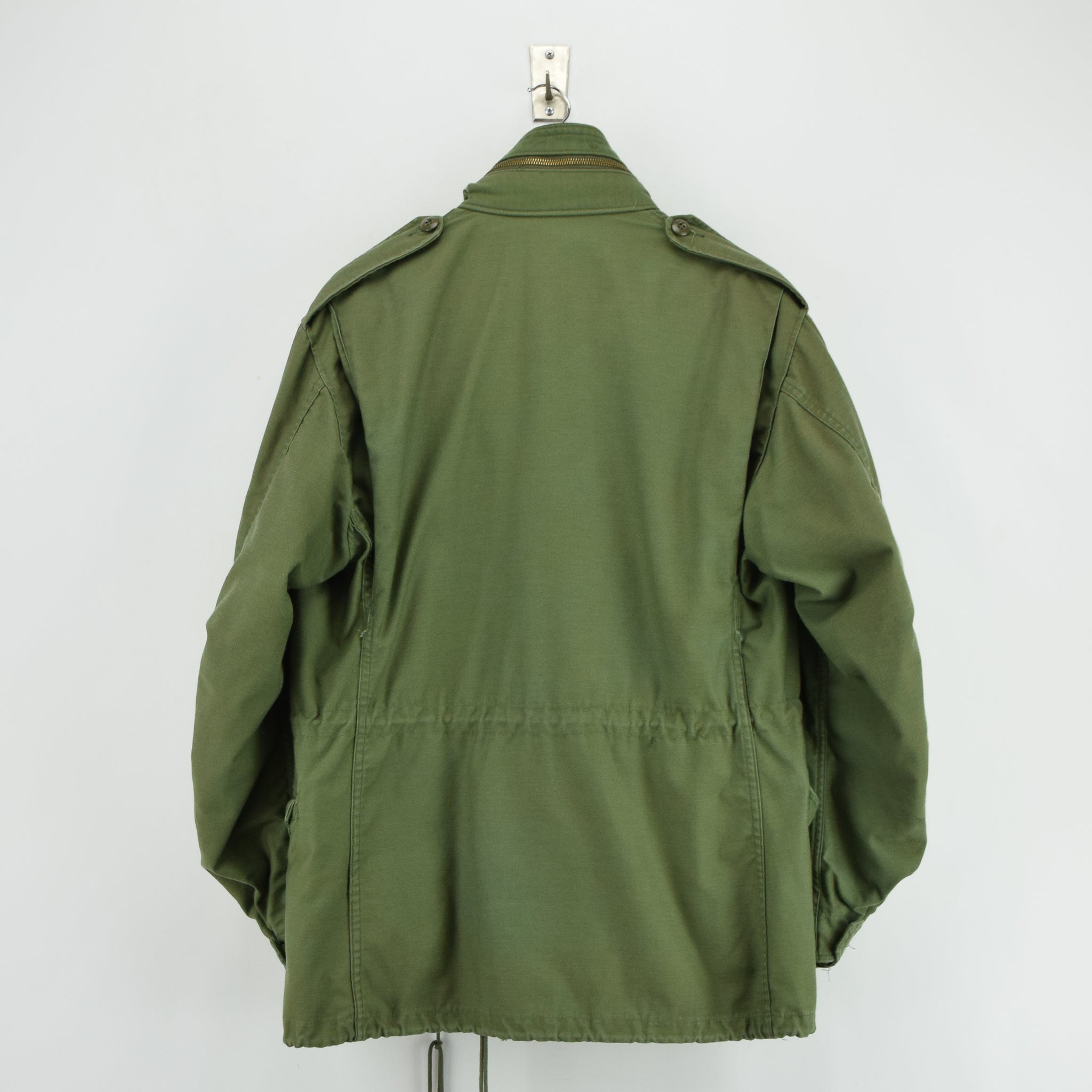 Vintage 80s M-65 Man's Cold Weather Field Military Army Jacket M Reg back