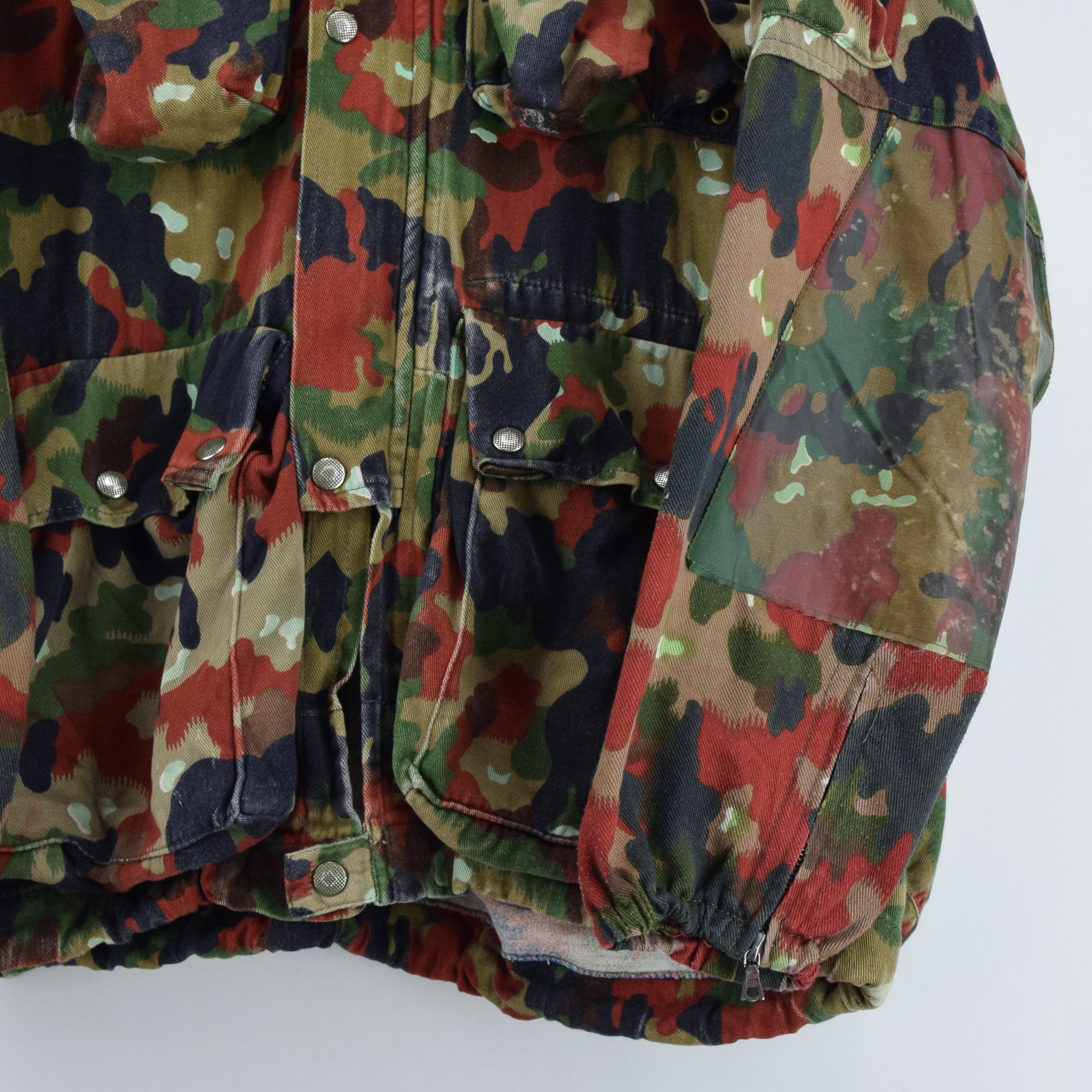 affcf57fa0dbe ... Vintage 80s Swiss Army Alpenflage Camo Sniper Combat Field Jacket XL  front hem ...