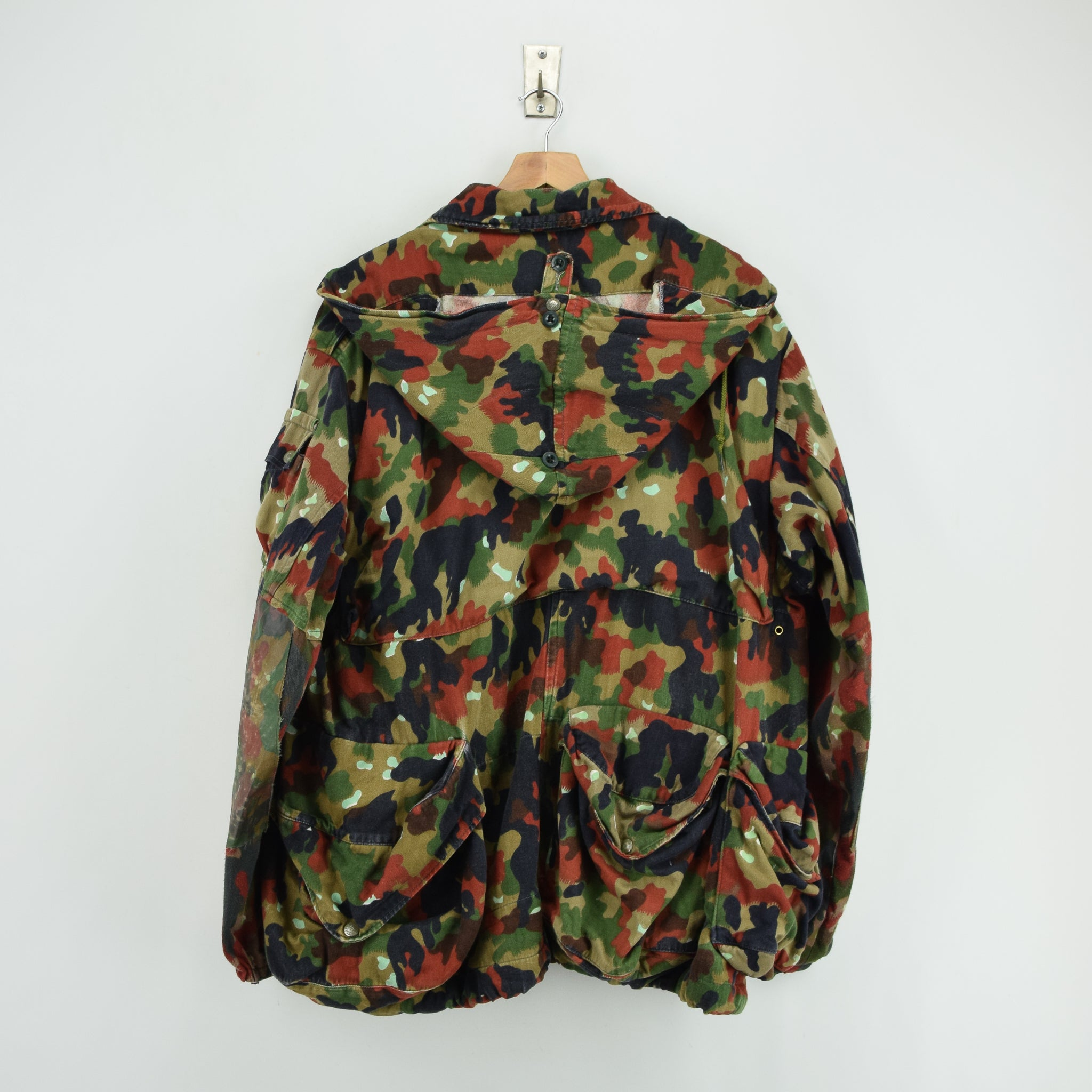 6ba1cf3f8318d ... Vintage 80s Swiss Army Alpenflage Camo Sniper Combat Field Jacket XL  back ...