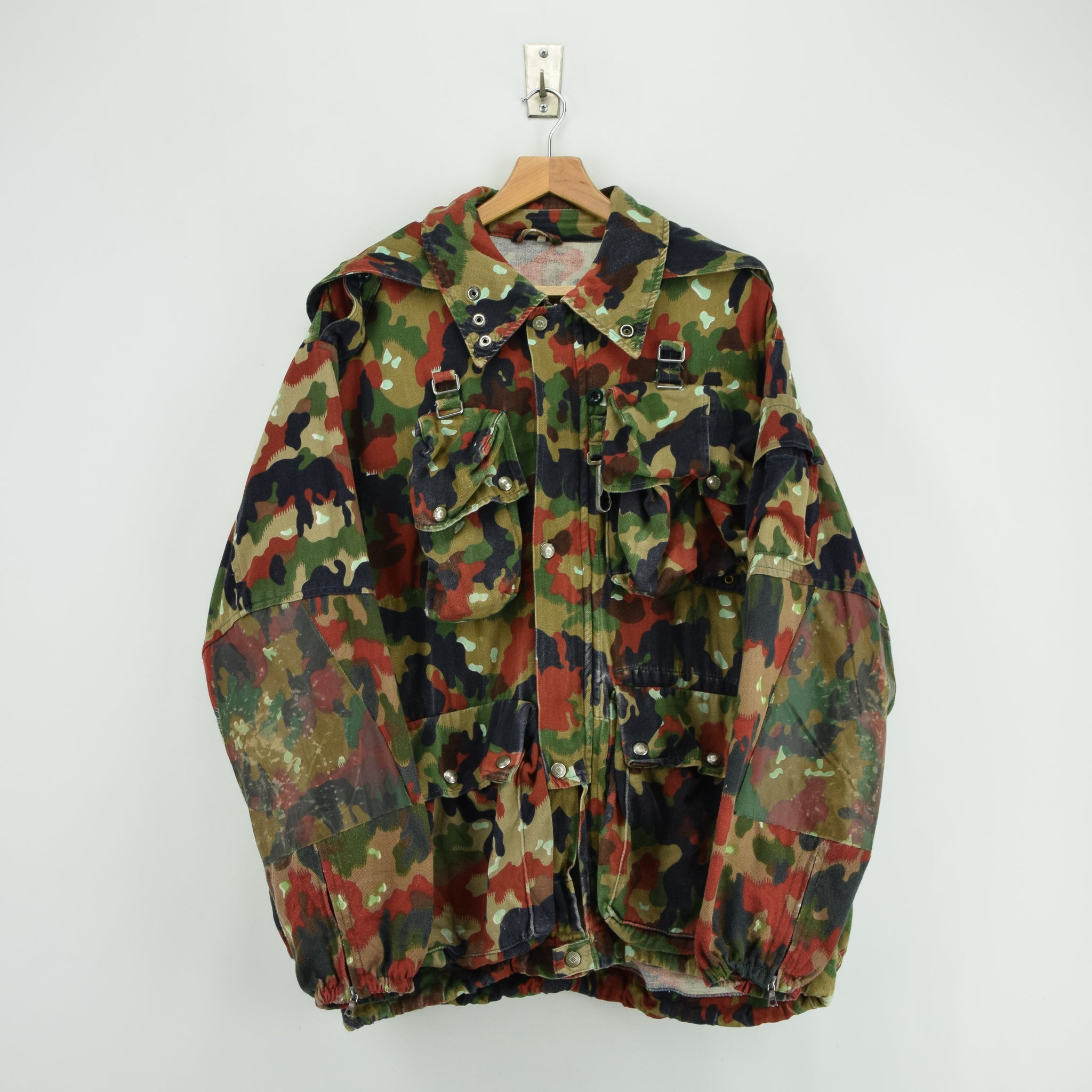 97106a3b02744 Vintage 80s Swiss Army Alpenflage Camo Sniper Combat Field Jacket XL front  ...