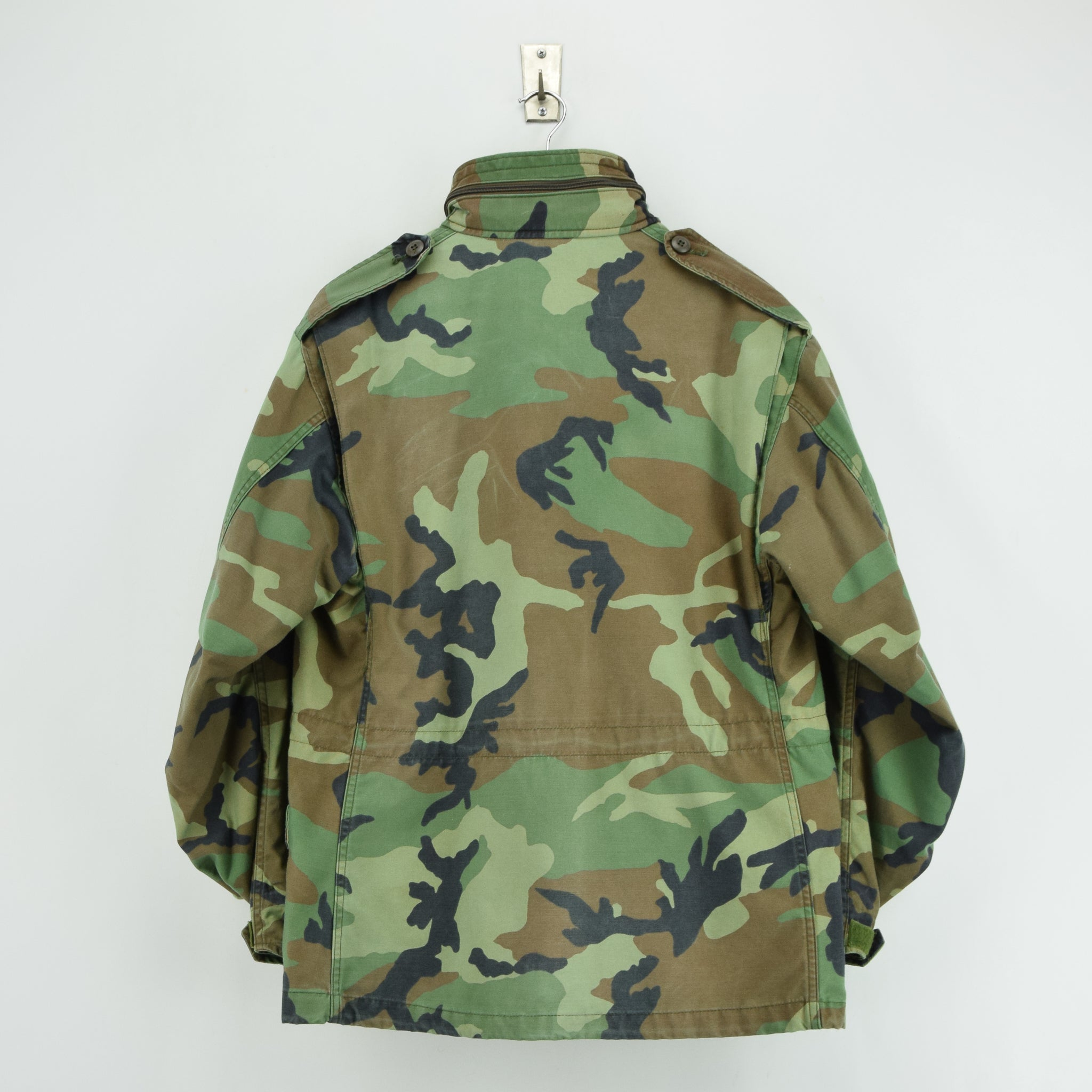 Vintage 90s M-65 Woodland Camouflage Field Coat US Army Cotton Military Jacket M back