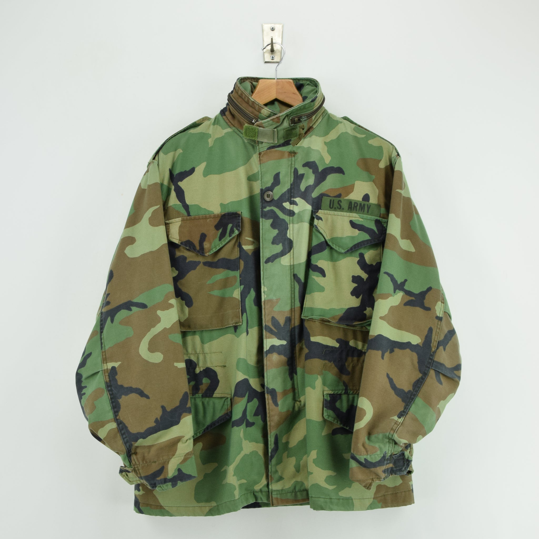 Vintage 90s M-65 Woodland Camouflage Field Coat US Army Cotton Military Jacket M front