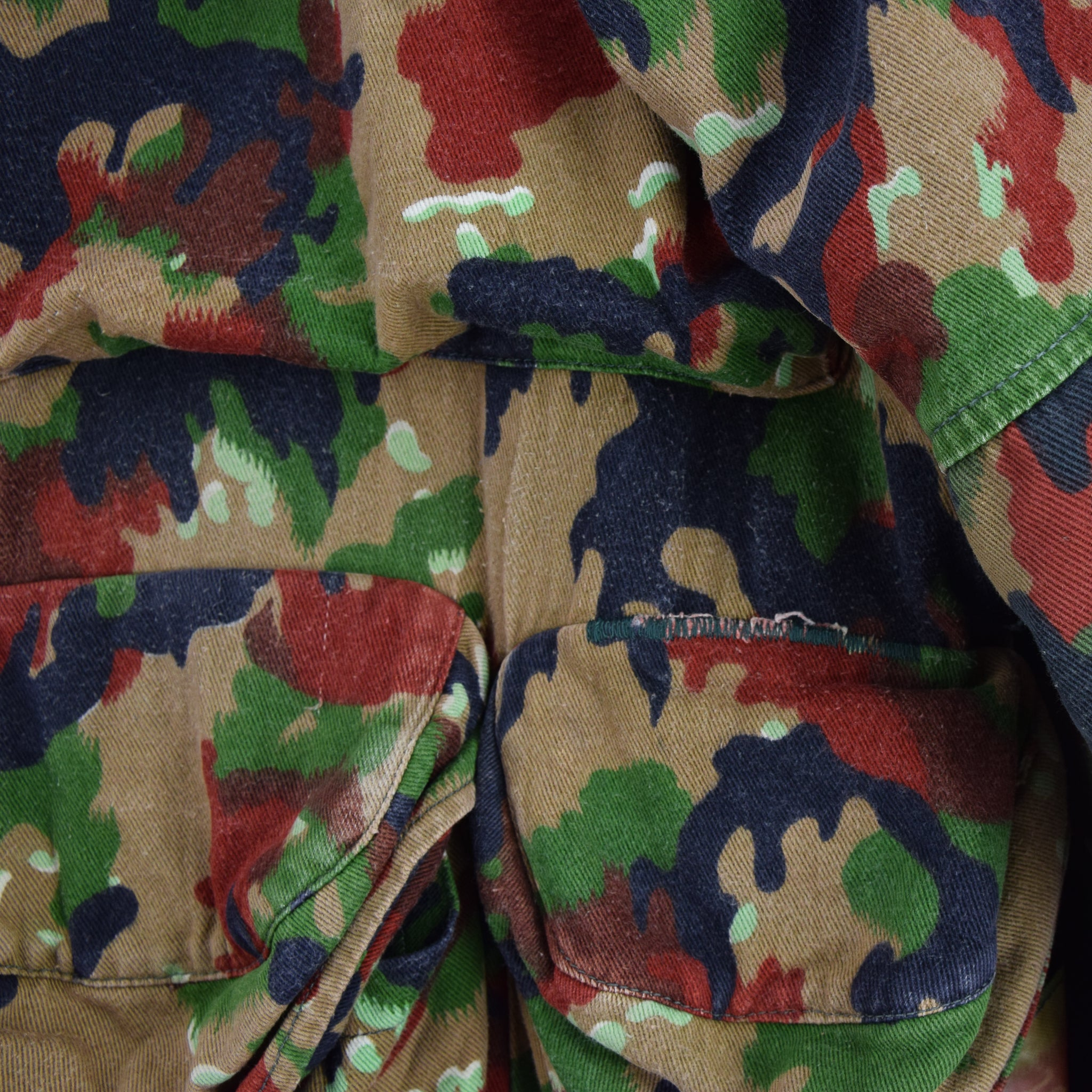 Vintage 70s Swiss Army Alpenflage Camo Sniper Combat Field Jacket S / M pockets