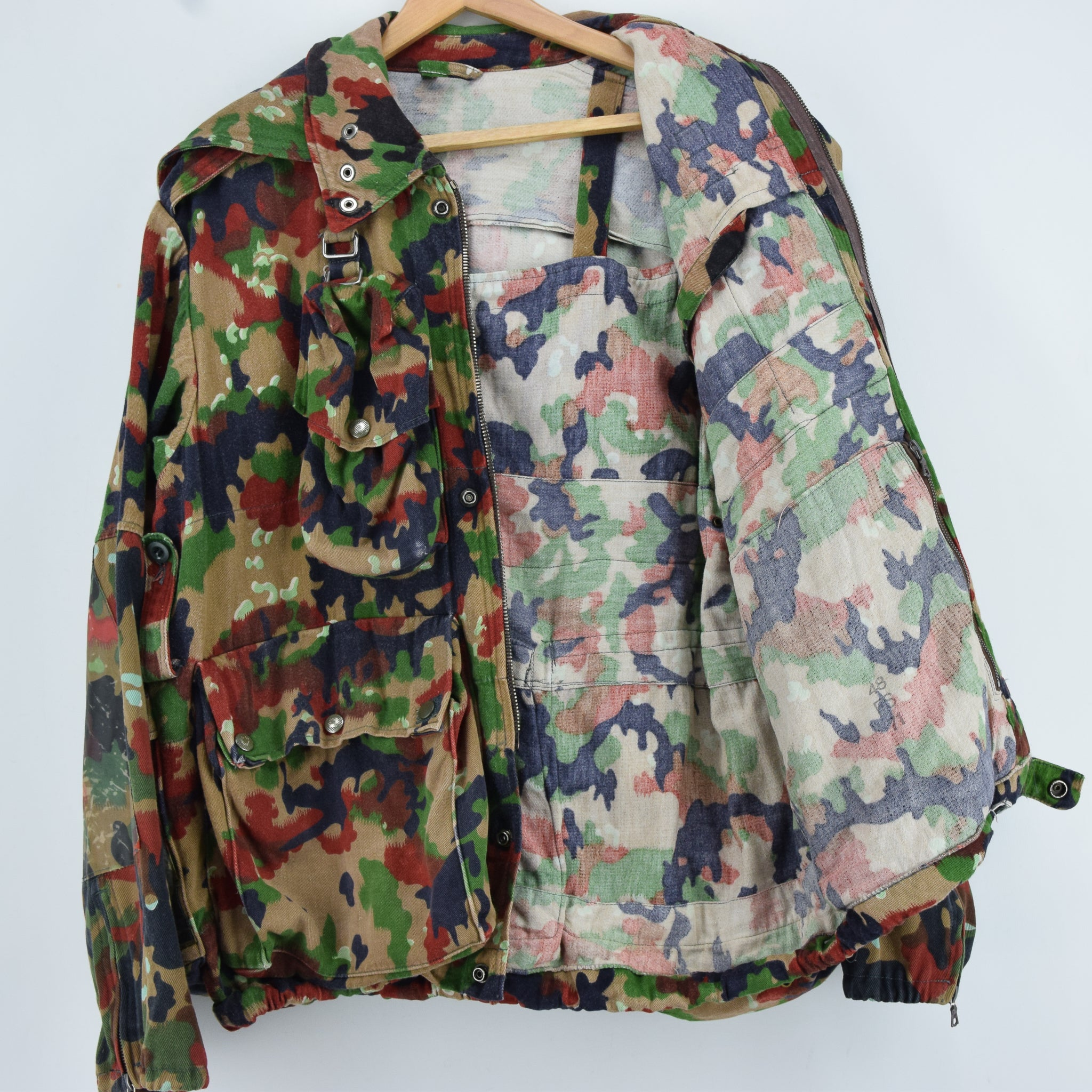 Vintage 70s Swiss Army Alpenflage Camo Sniper Combat Field Jacket S / M lining