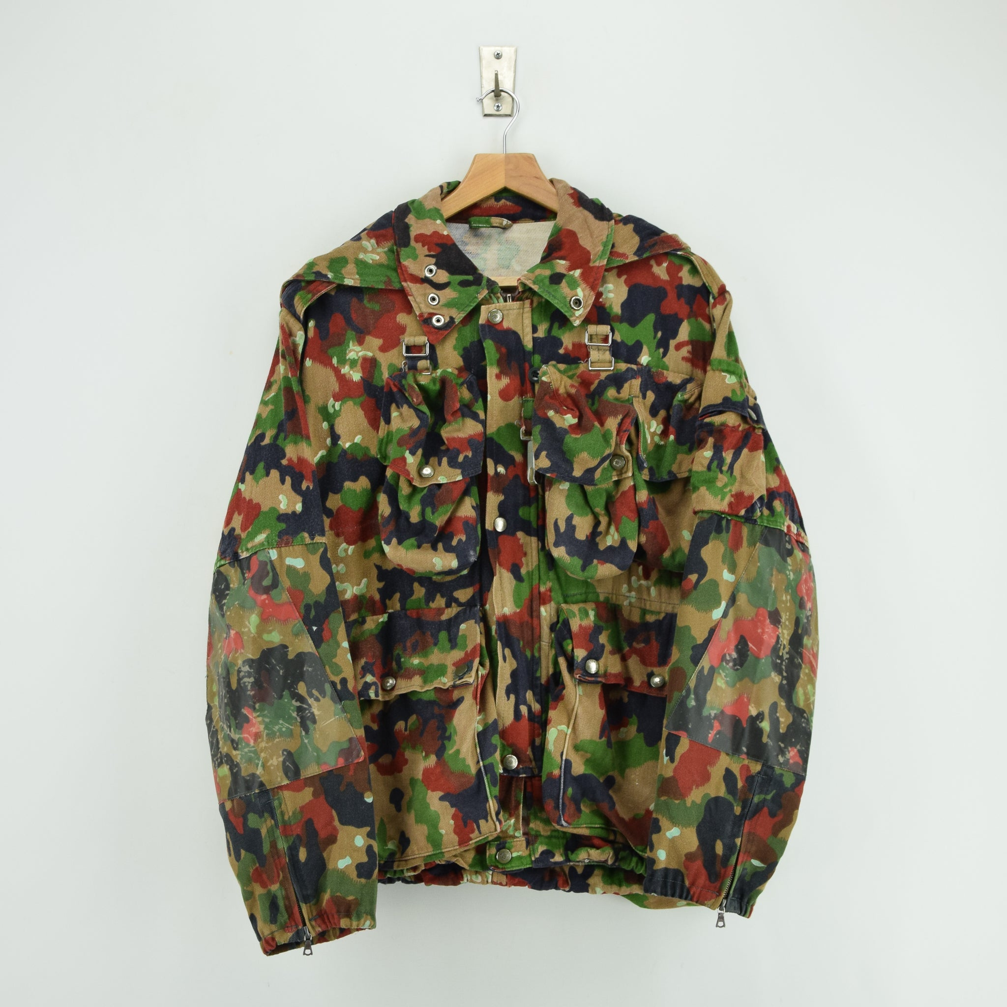 Vintage 70s Swiss Army Alpenflage Camo Sniper Combat Field Jacket S / M front