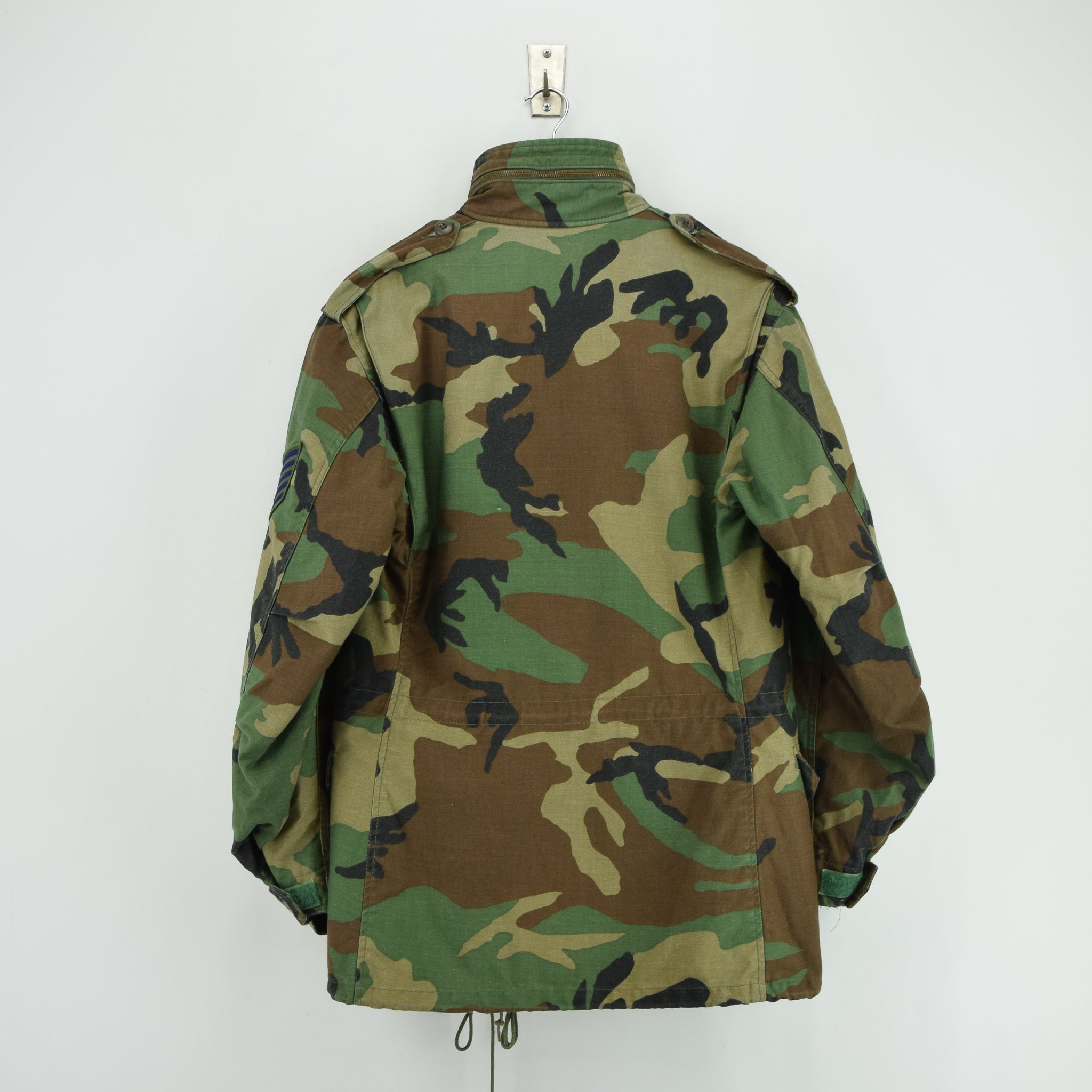 Vintage 80s M-65 Woodland Camouflage Field Coat USAF Cotton Military Jacket S back