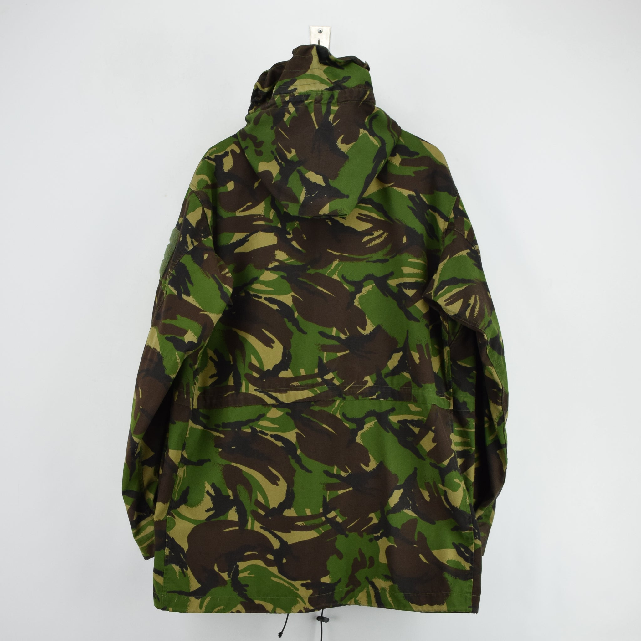 Vintage British Army Windproof Combat Smock Woodland Camo Field Jacket XL / XXL back