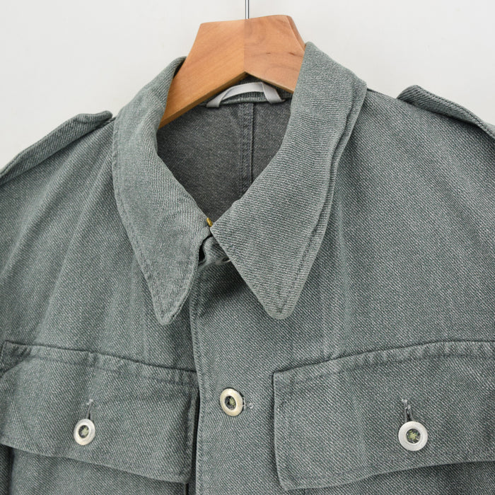Vintage 40s WWII Era Swiss Army Salt & Pepper Worker Chore Jacket Boxy S collar