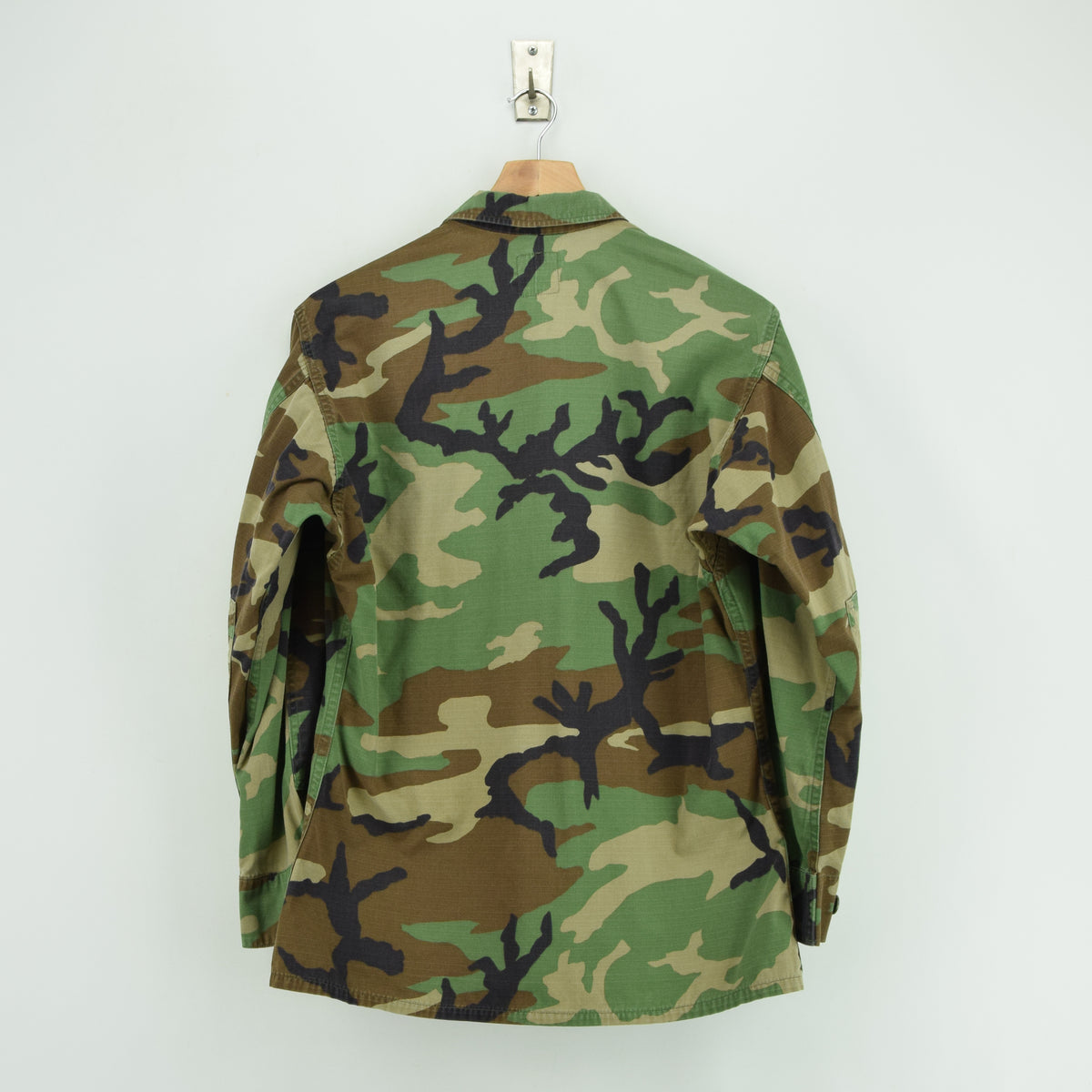 Vintage 90s US Air Force Woodland Camouflage Combat Coat Field Jacket S Short back