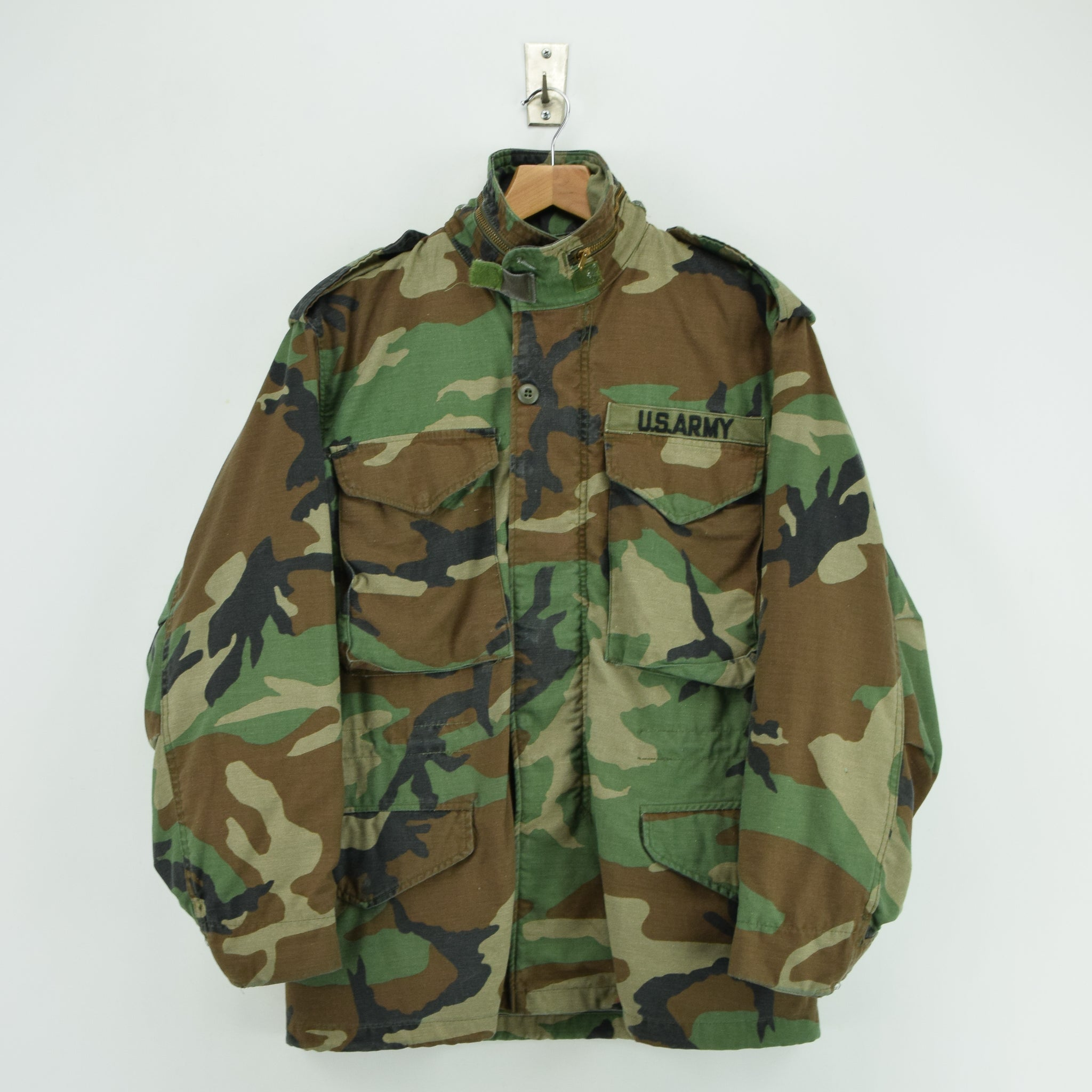 6f44f77604af6 Vintage 80s Alpha Industries M-65 Woodland Camo Field Coat Army Jacket S  Short front ...