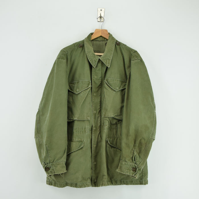 Vintage 50s M-1951 Korean War US Army Field Jacket Olive Green M Reg front