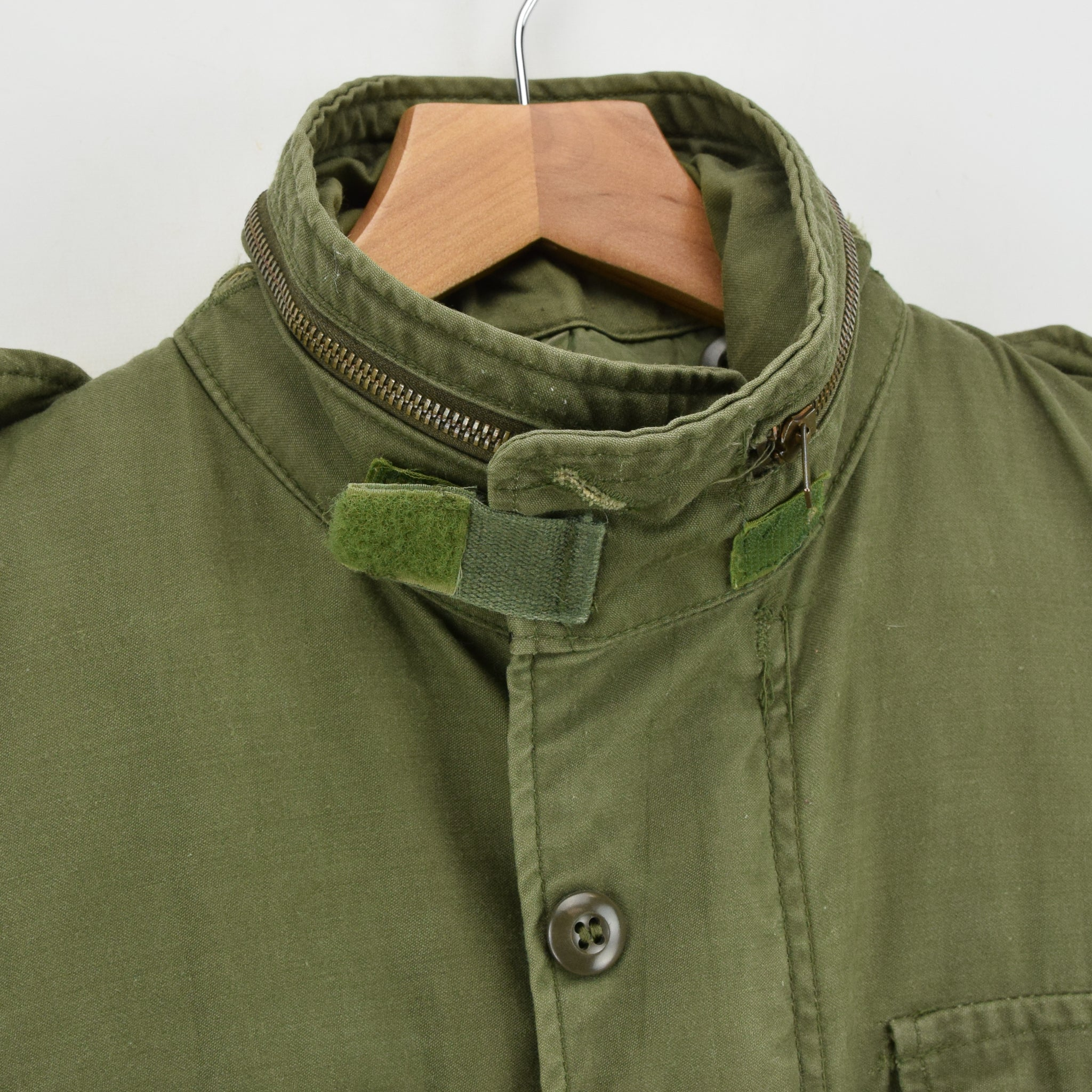 Vintage 80s Alpha Industries M-65 Green Coat Cold Weather Man's Field Jacket S collar