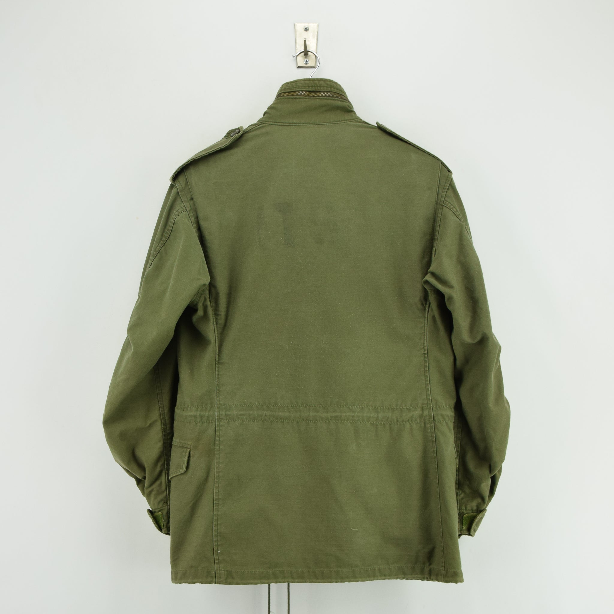 Vintage 80s Alpha Industries M-65 Green Coat Cold Weather Man's Field Jacket S back