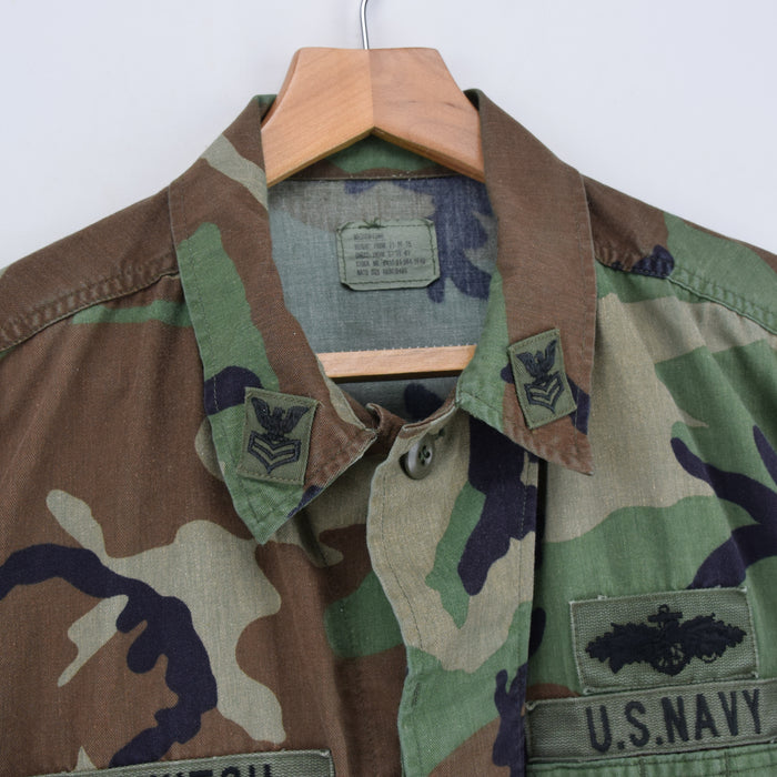 Vintage 80s US Navy Woodland Camo Seabees BDU Combat Coat Field Jacket M Long collar