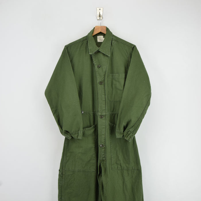 Vintage Vietnam USAF Cotton Sateen Coveralls US Air Force Green Flight Suit S front