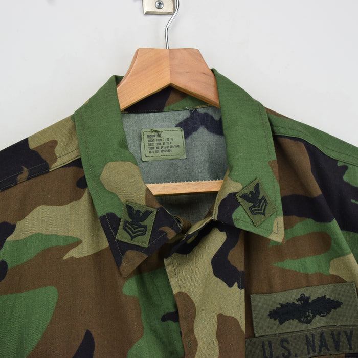 Vintage Deadstock 80s US Navy Woodland Camo Seabees BDU Combat Coat M Long collar