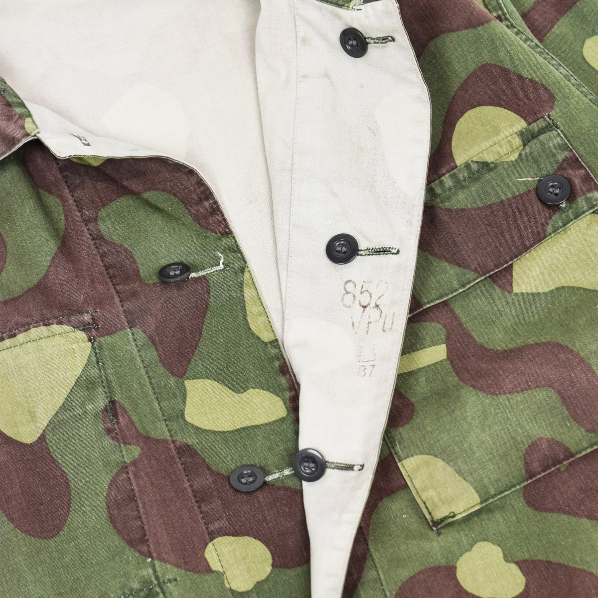 Vintage 80s Military Finnish Army Green Camo Mountain Field Jacket L / XL DATE