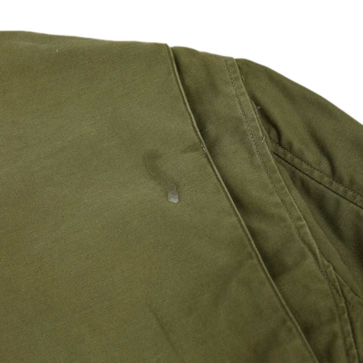Vintage 60s Vietnam M-65 Man's Field Sateen 0G-107 Green US Army Coat S / M shoulder details