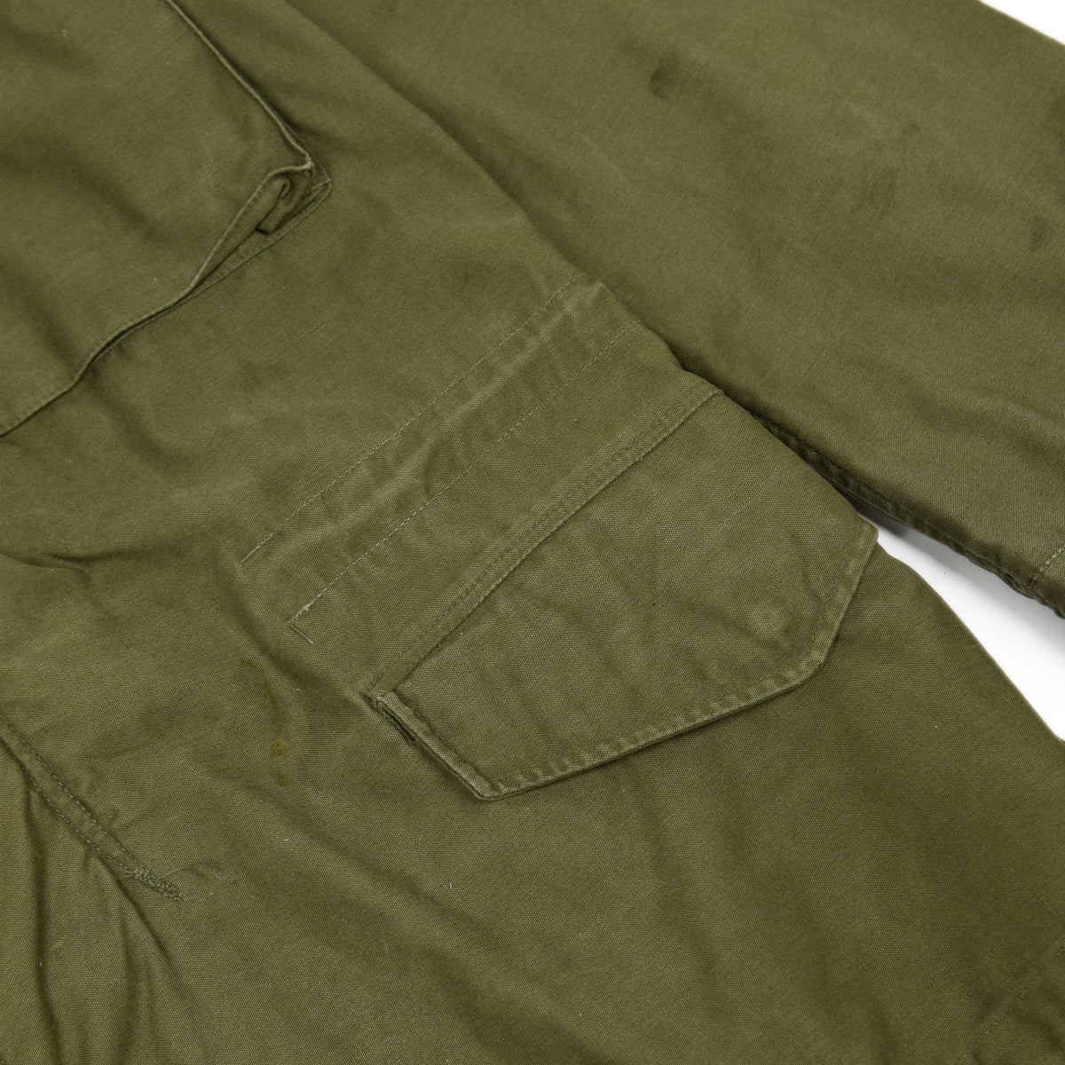 Vintage 60s Vietnam M-65 Man's Field Sateen 0G-107 Green US Army Coat S / M lower pocket