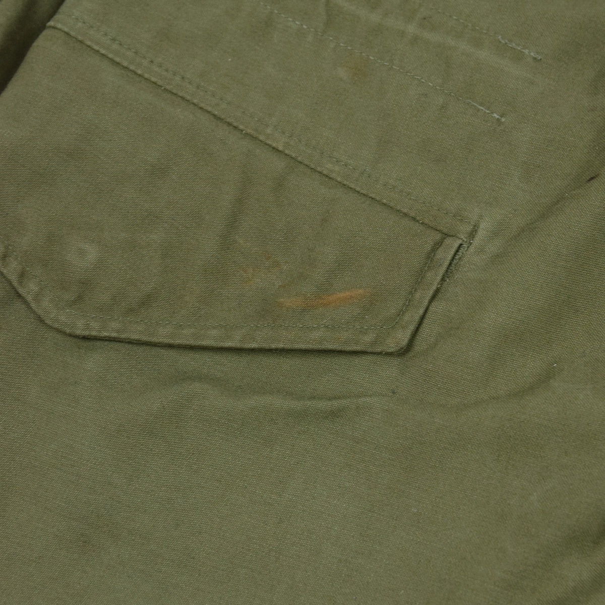 Vintage 60s Vietnam M-65 Man's Field Sateen 0G-107 Green US Army Coat S / M pocket marks